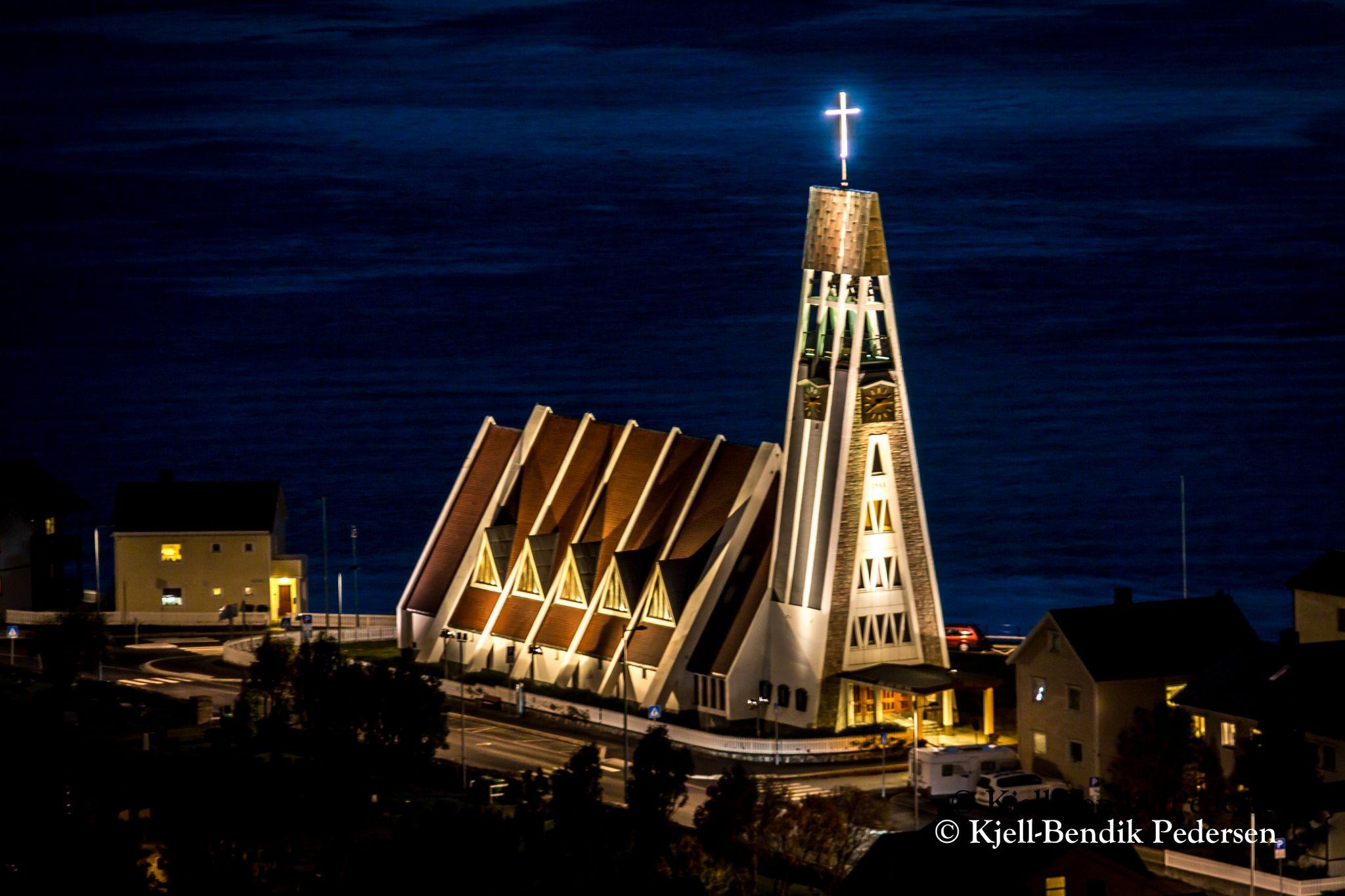Hammerfest church by kjellbendik