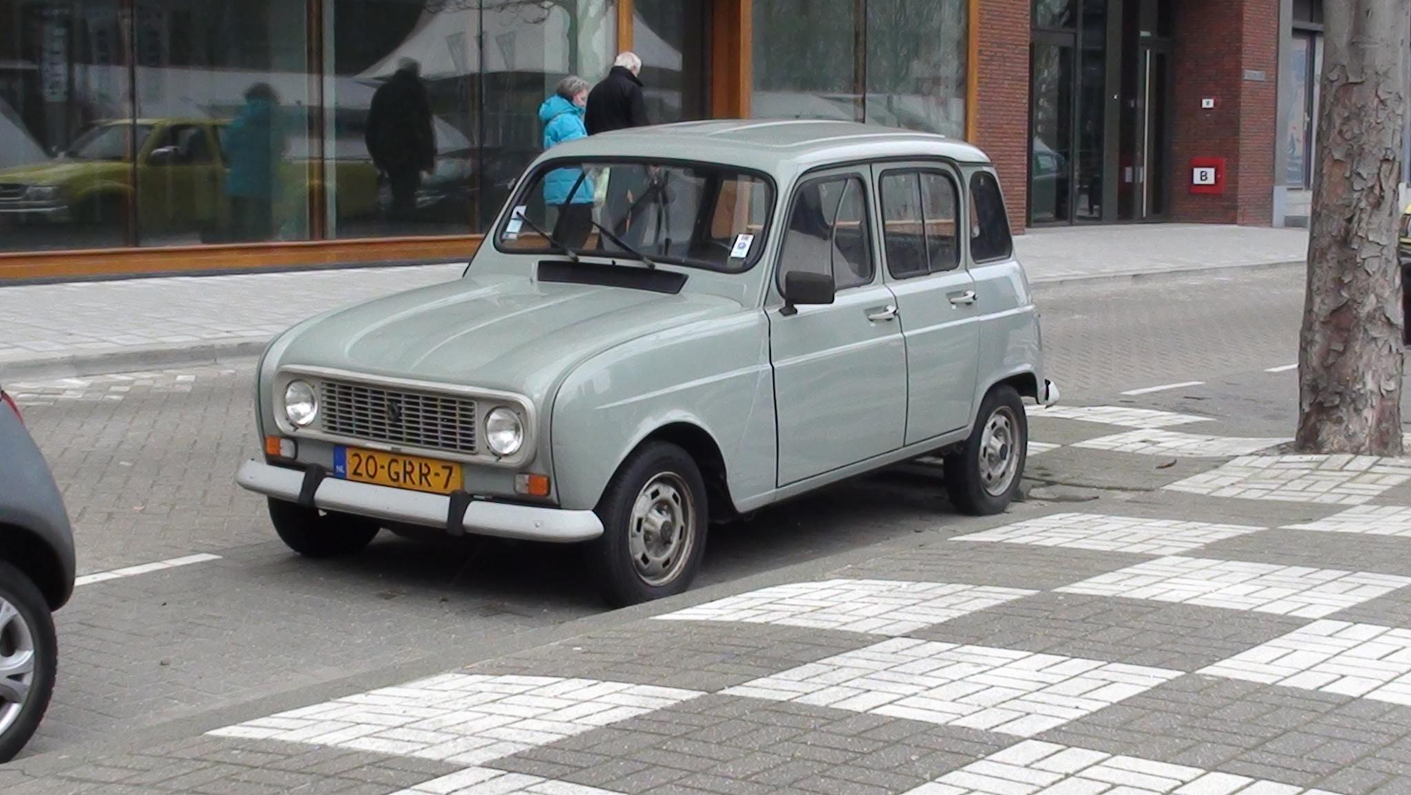 Car by chiaravilla95