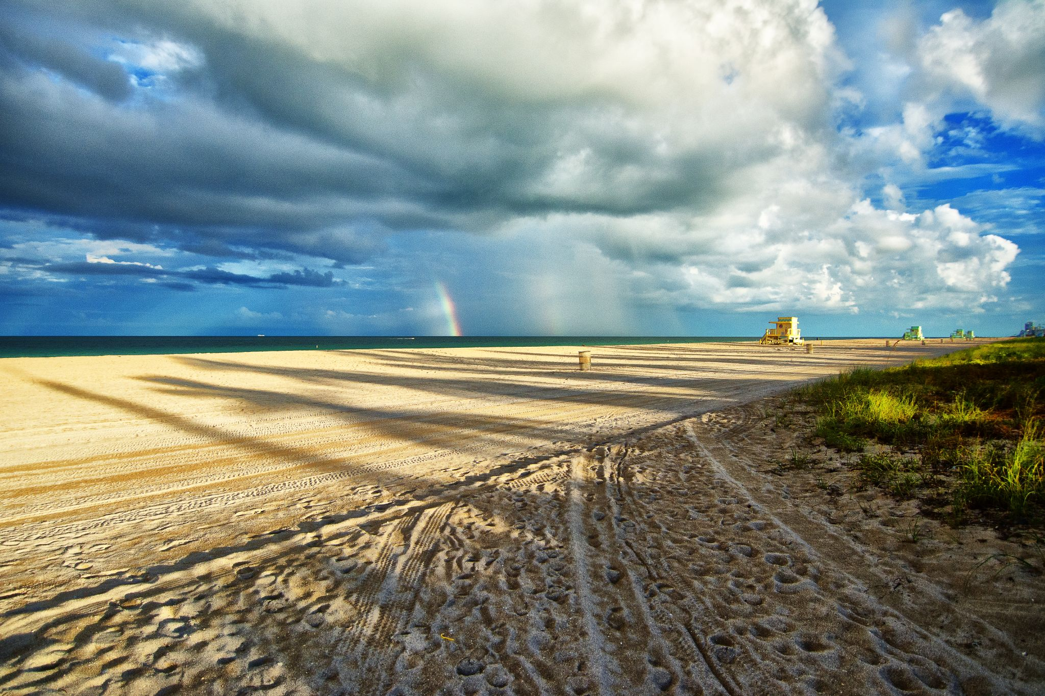 Haulover Beach (II) by themagiclensphotography