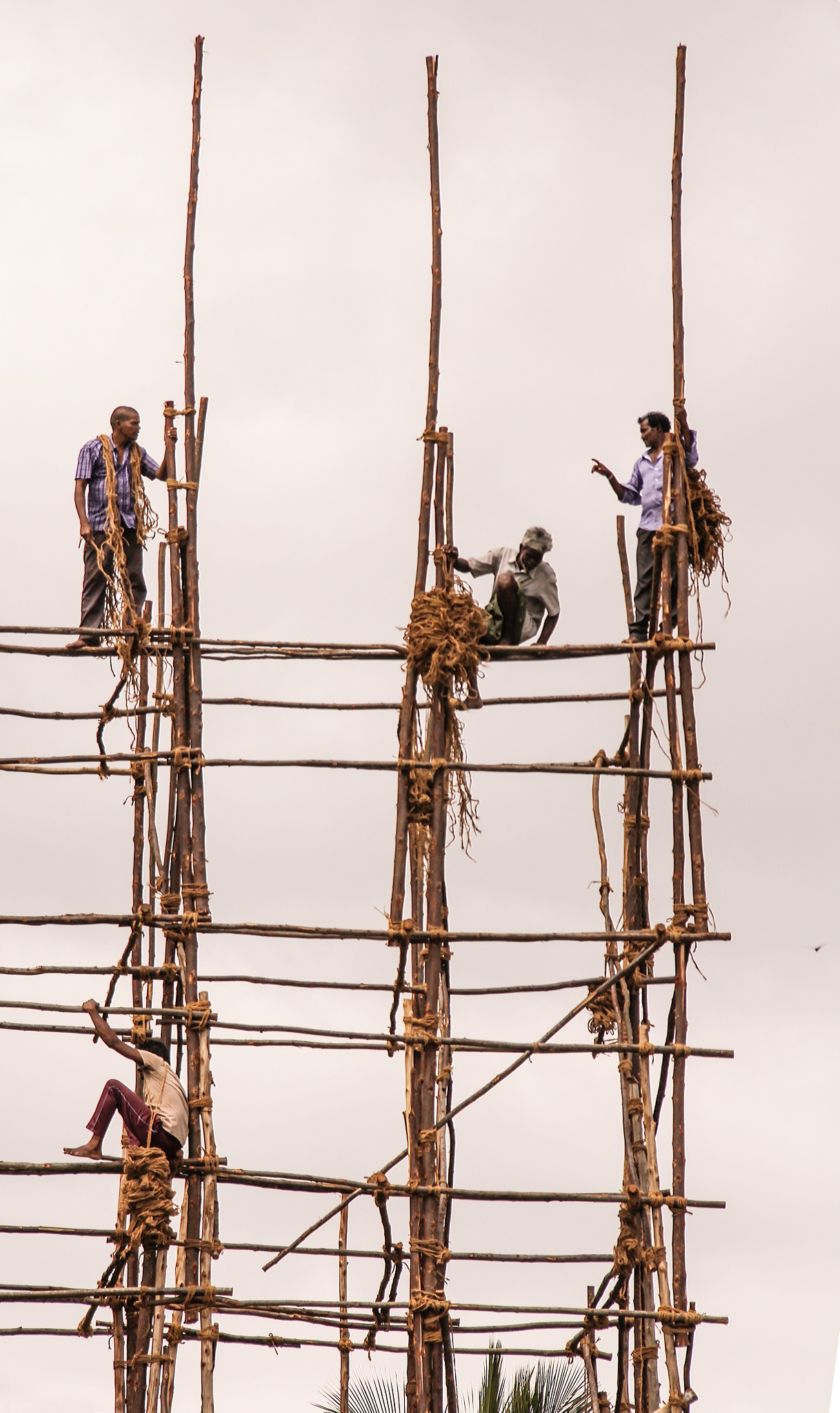 workers by Kamalakkannan