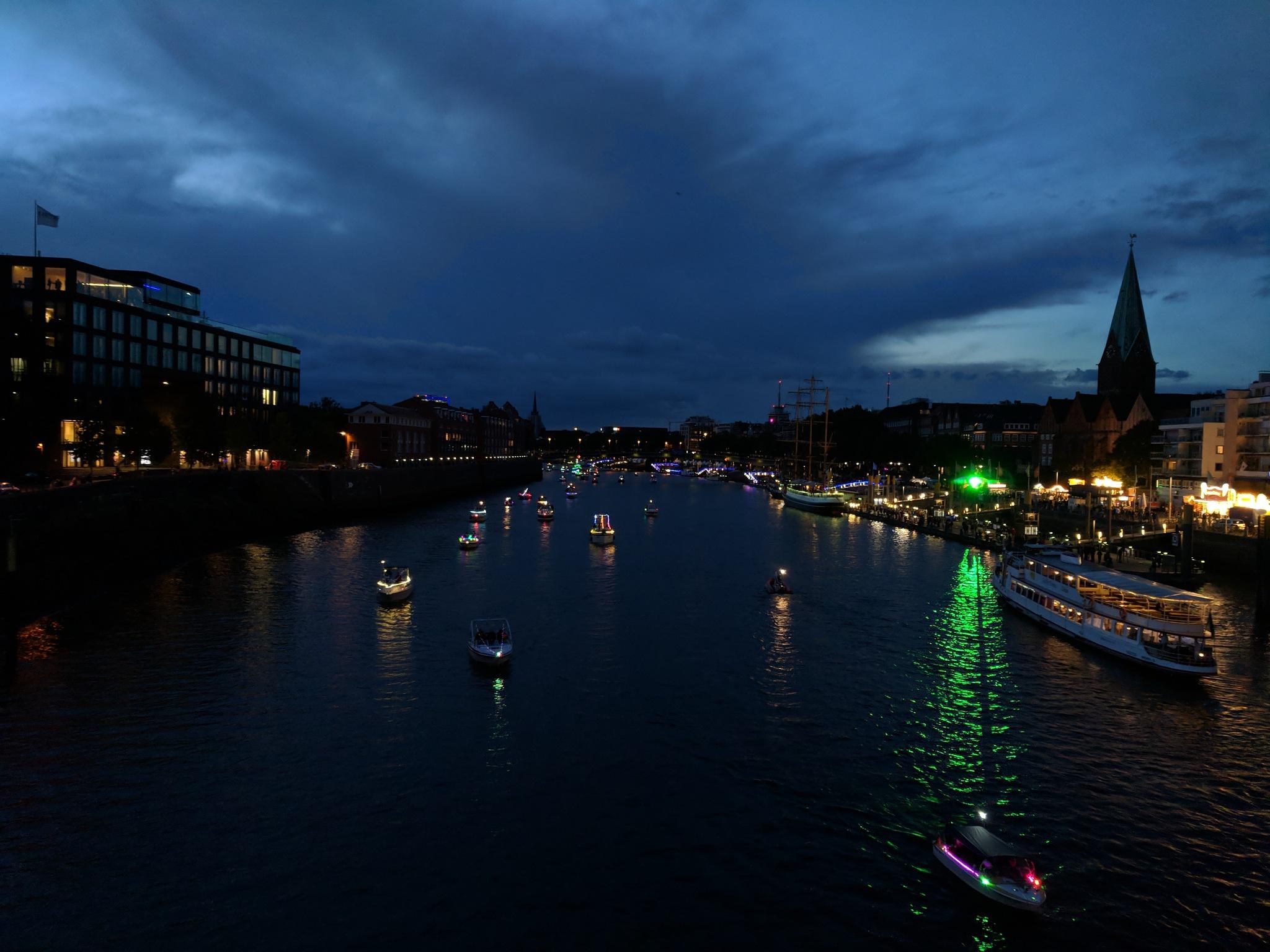 Lampionfahrt der Maritimen Woche Bremen by Christoph Wirsching