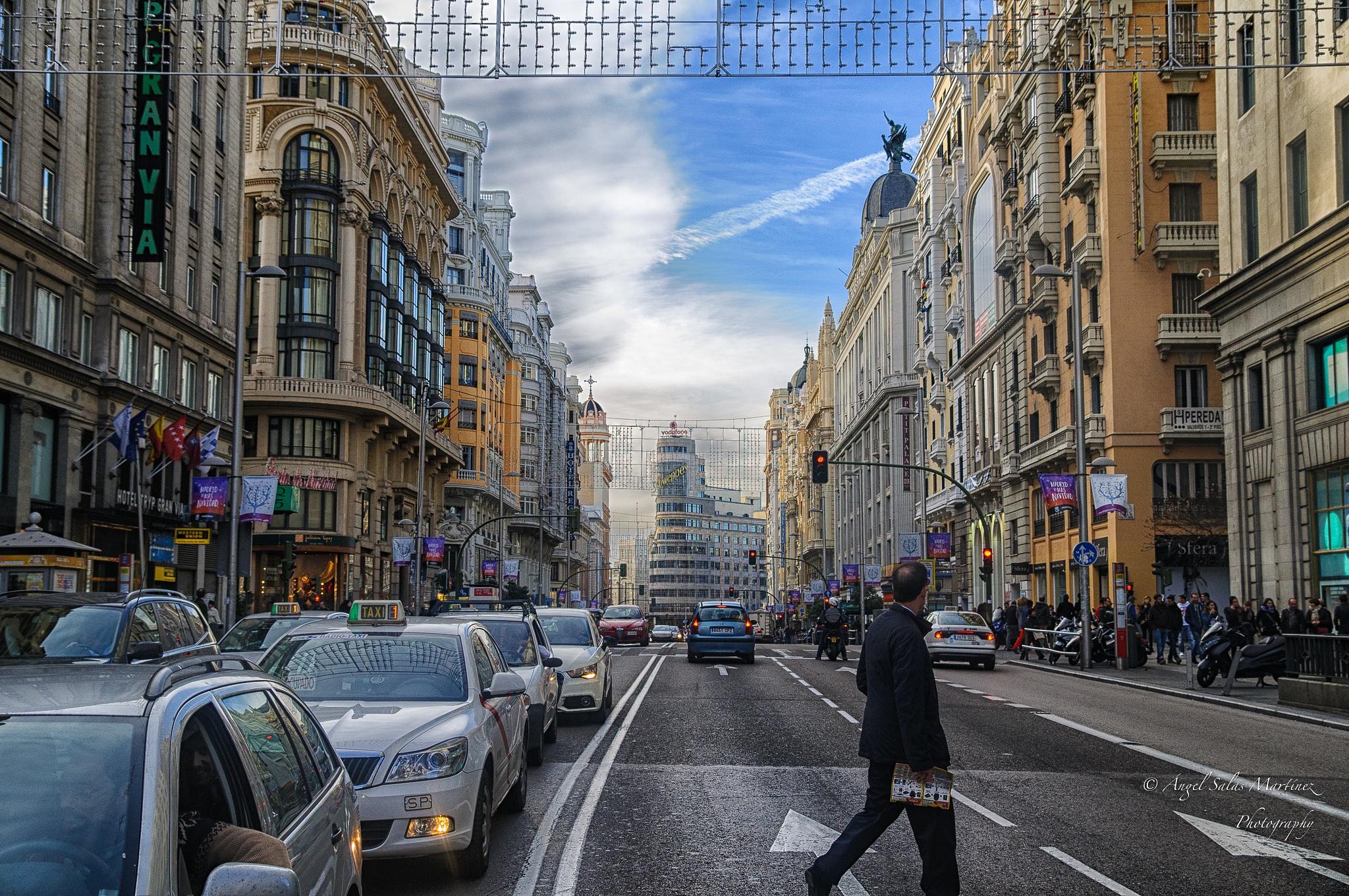 Gran Via by Ángel Salas Martínez