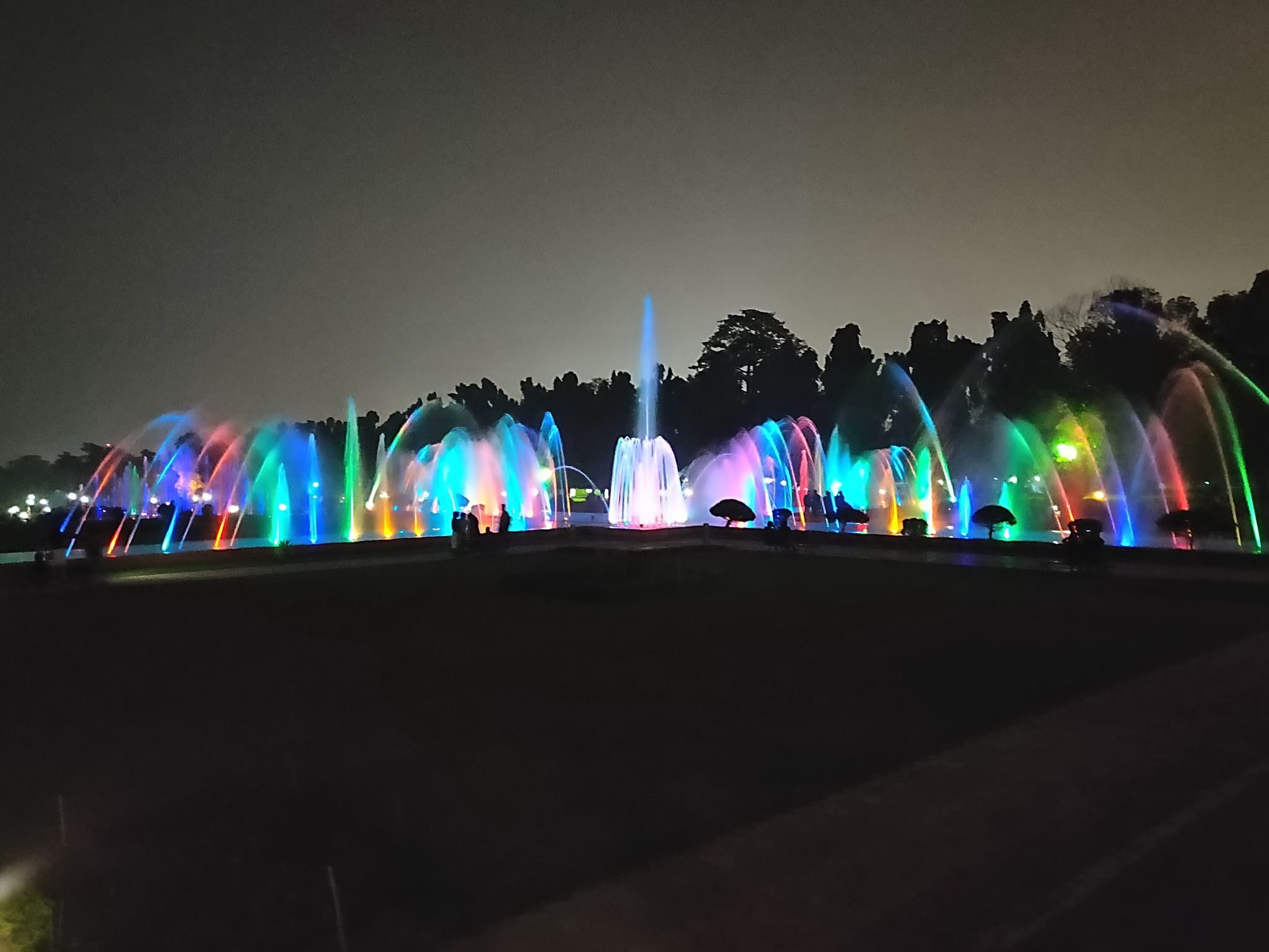 musical fountain by V Kay's Photography