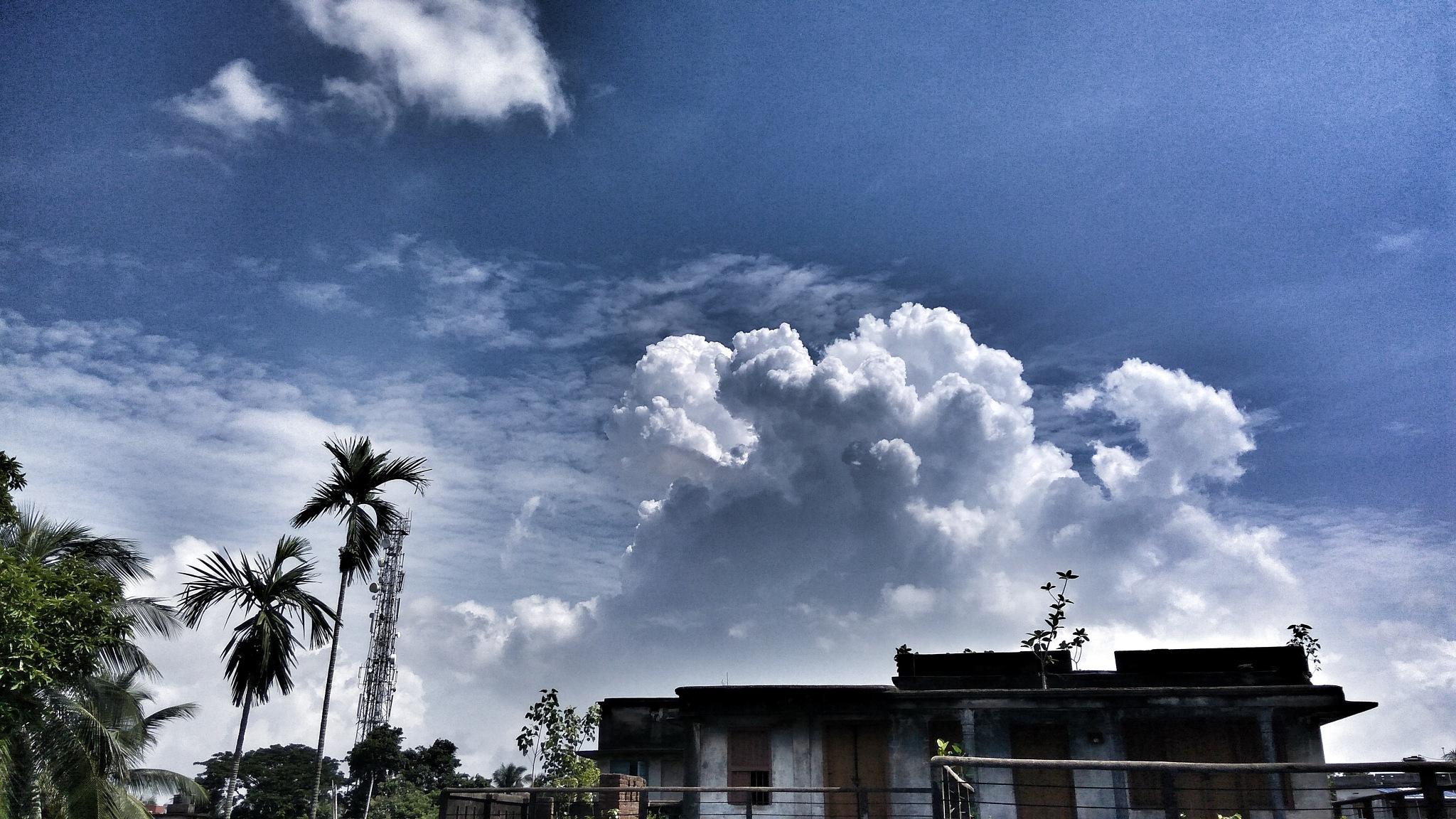 Blue sky by soumitramaity39