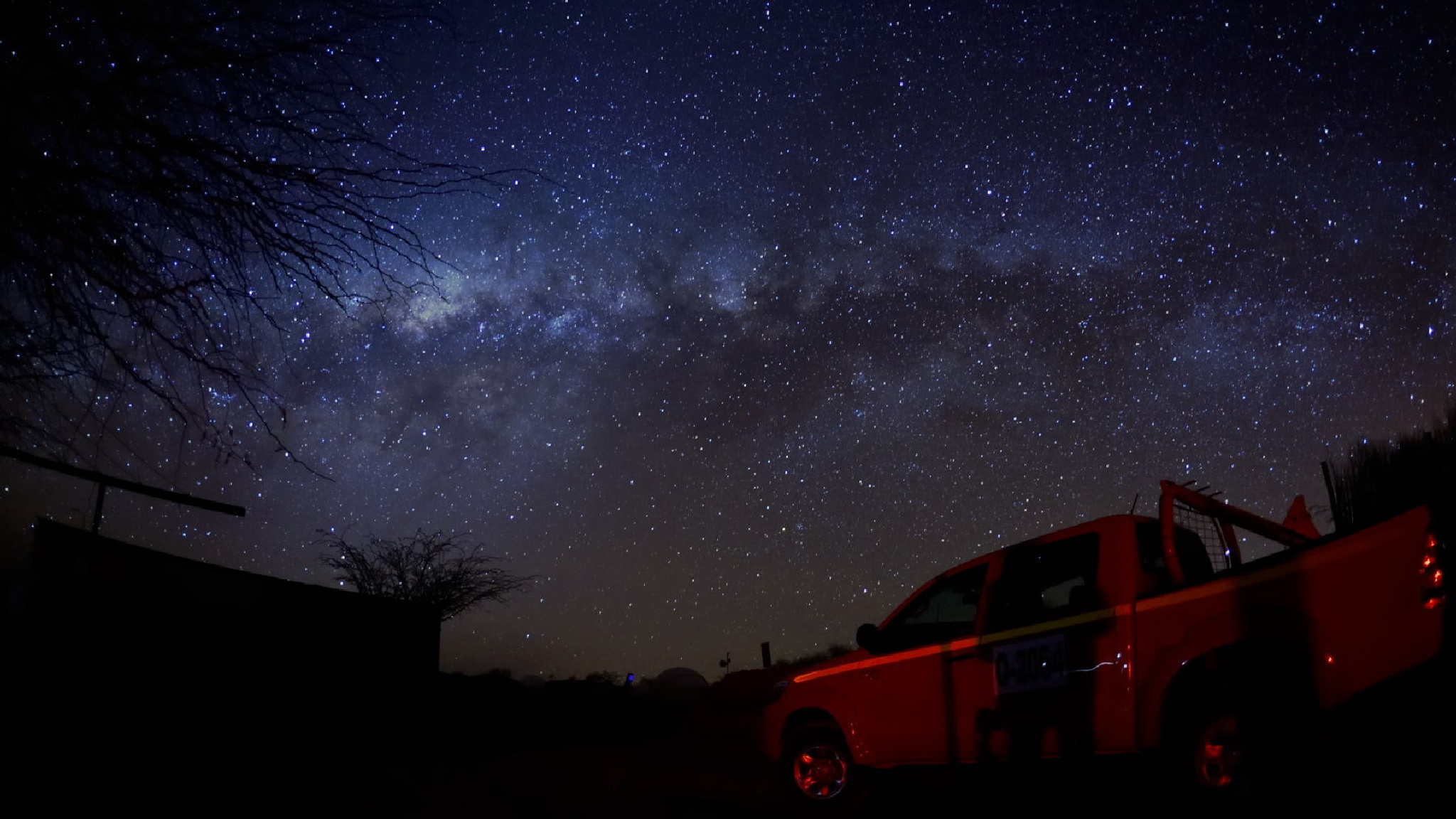 The Milkway over Atacama by Valdemar Ferreira Junior