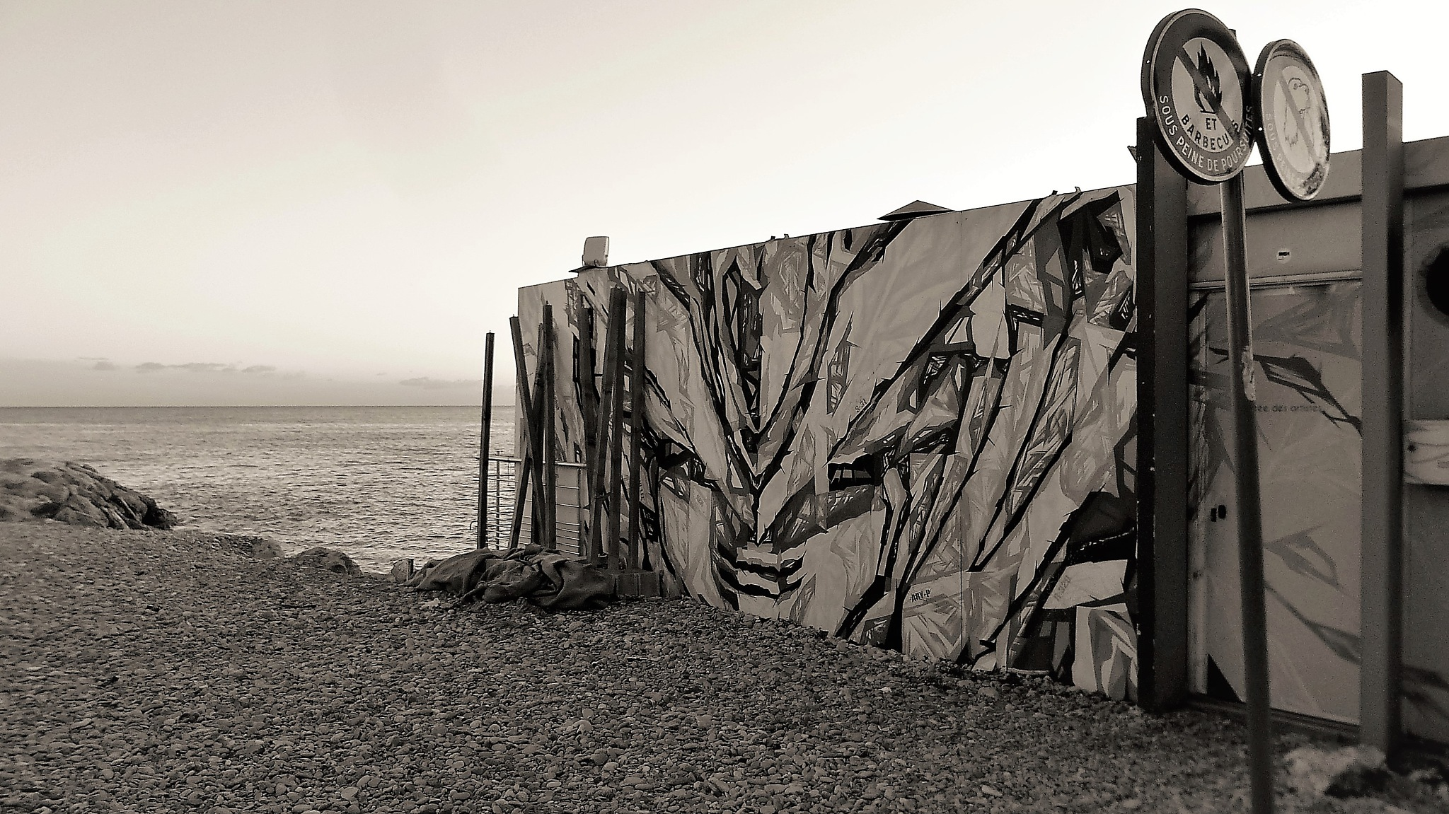 Tag sur plage by Jean François Ollivier