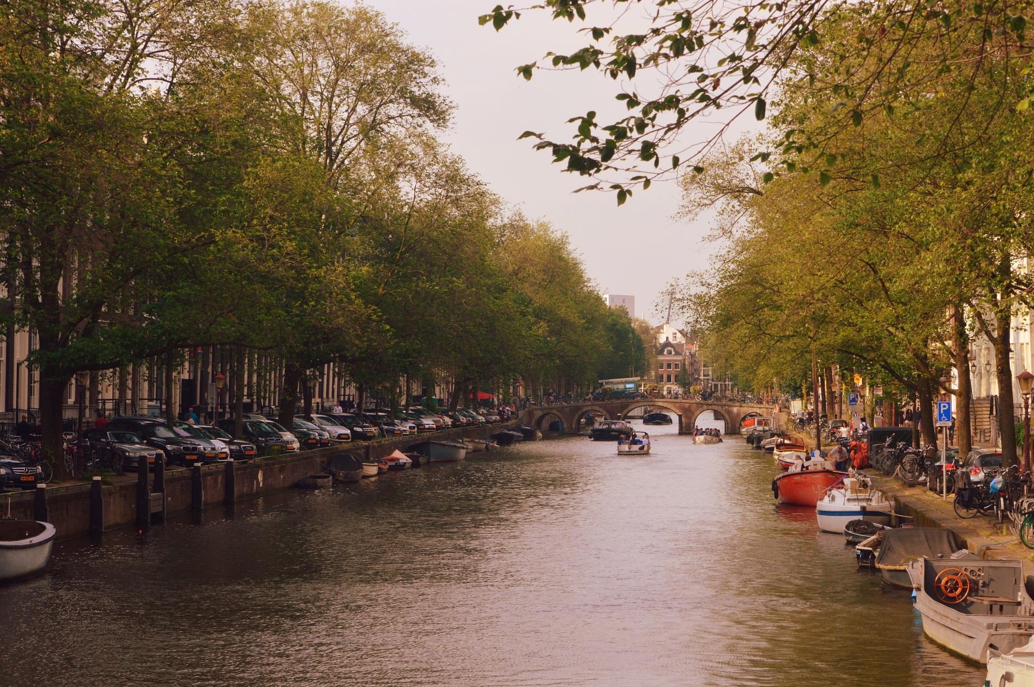 Amsterdam Canal by Frederico Domondon