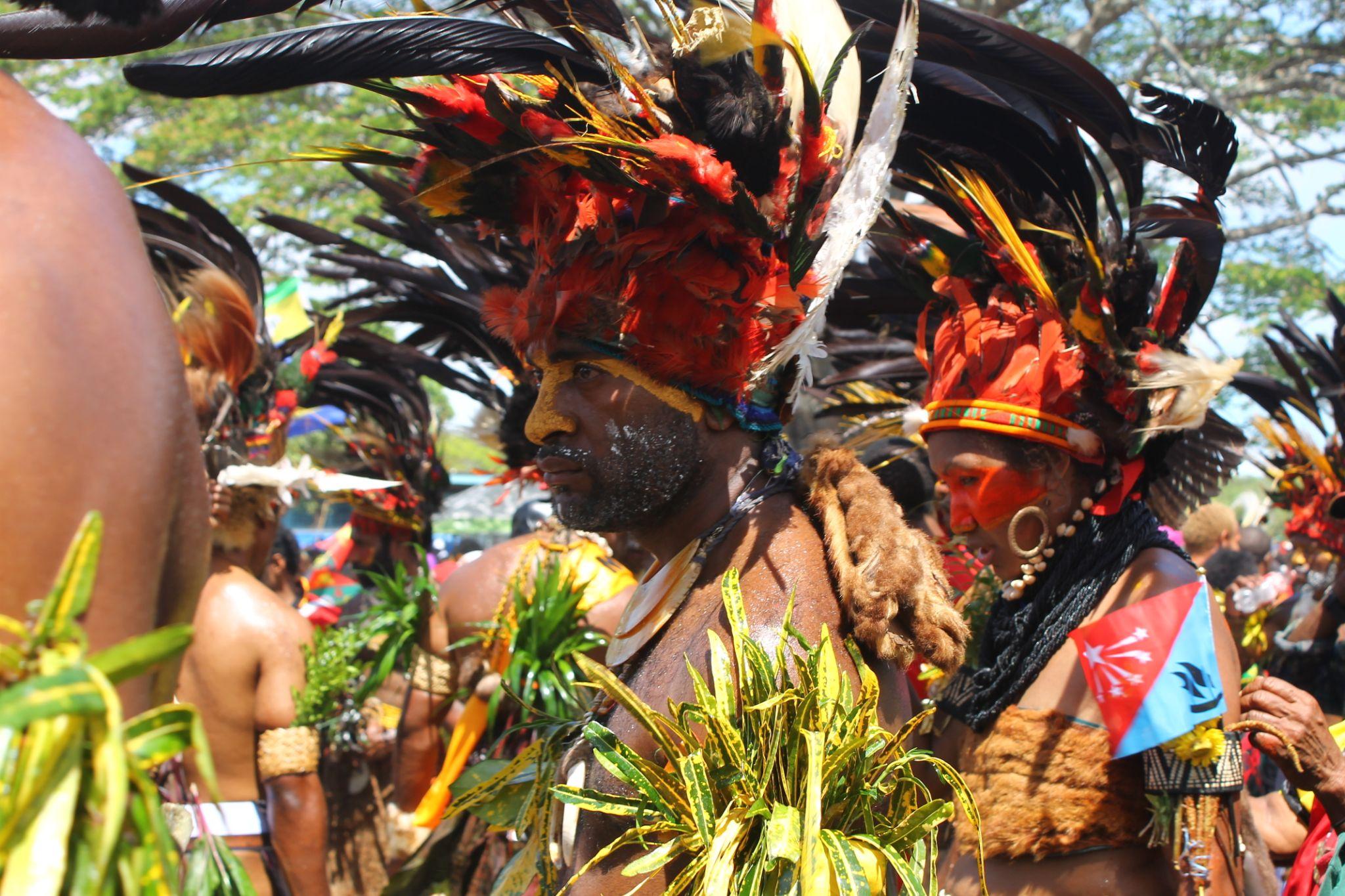 Chimbu Warrior - Papua New Guinea by Sylver Yagi