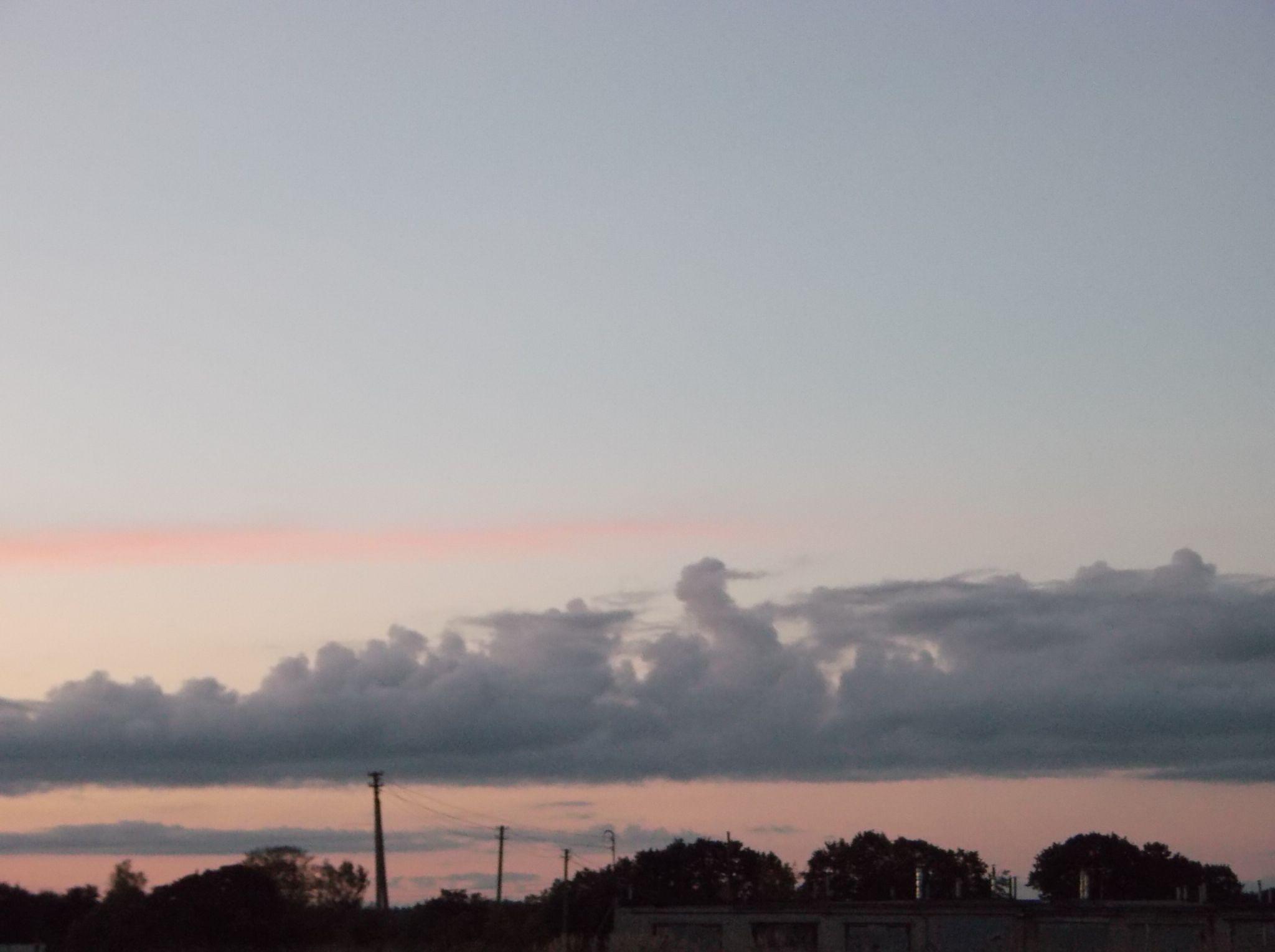 Sky after sunset. by Zita Užkuraitienė