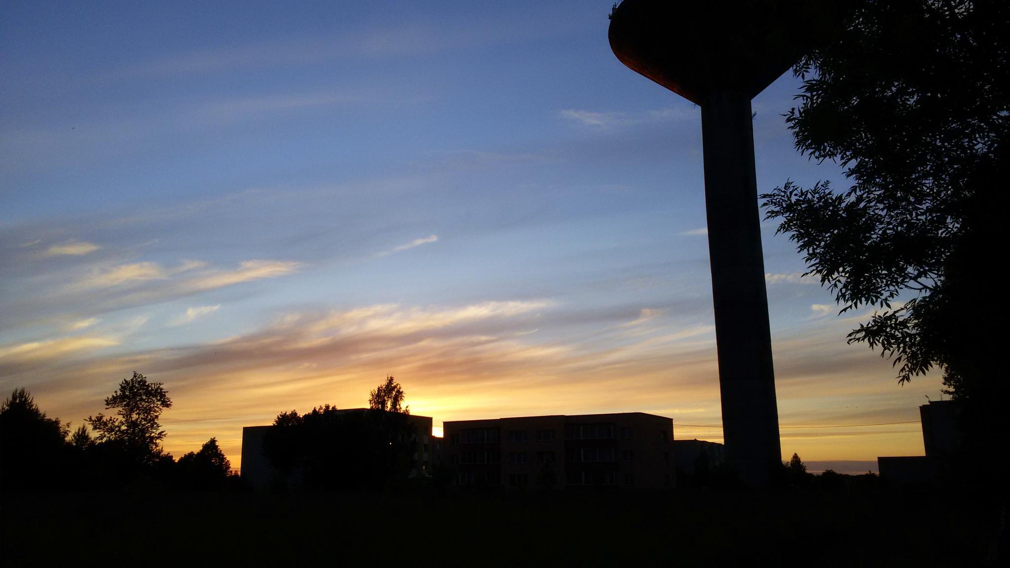 Sunset sky by Zita Užkuraitienė