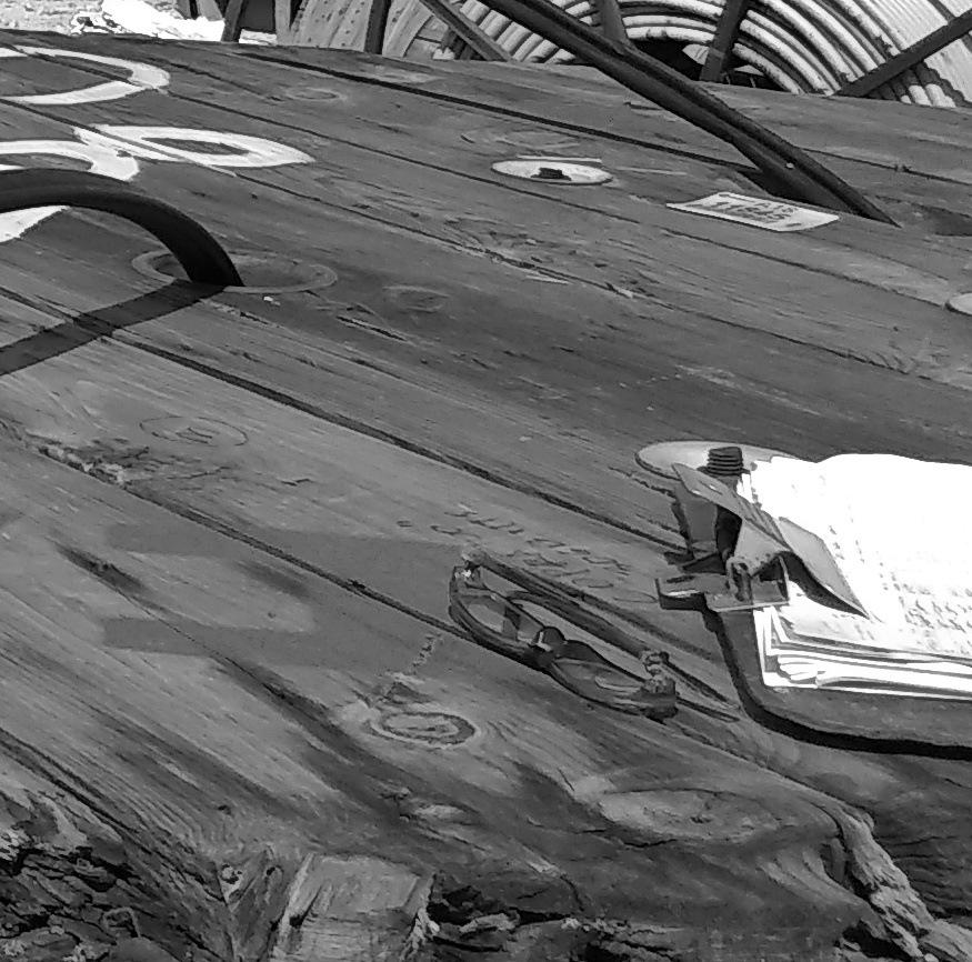 Wood&Glasses by Heriberto Gómez