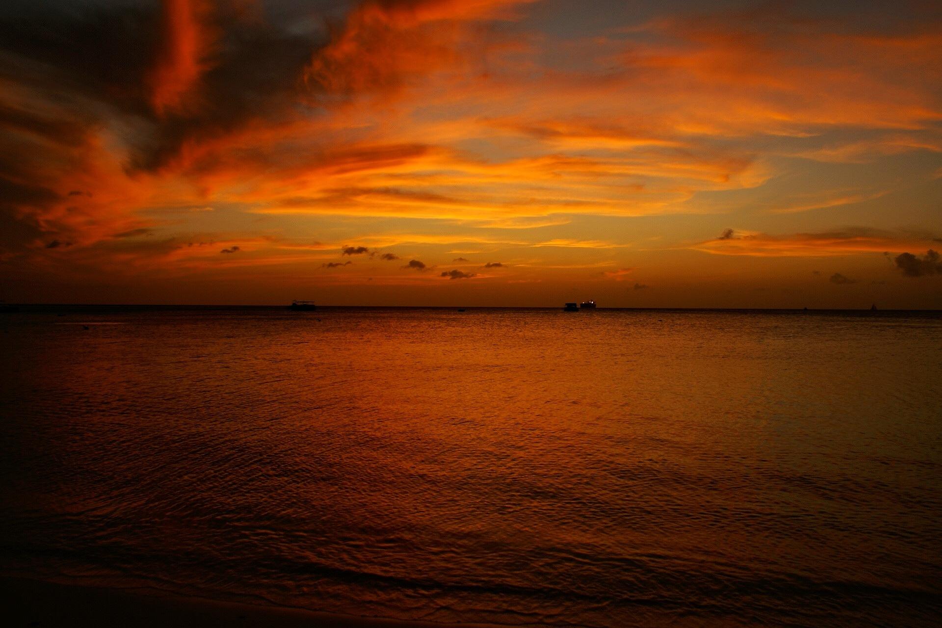 Sunset  by Sergio Kaercher