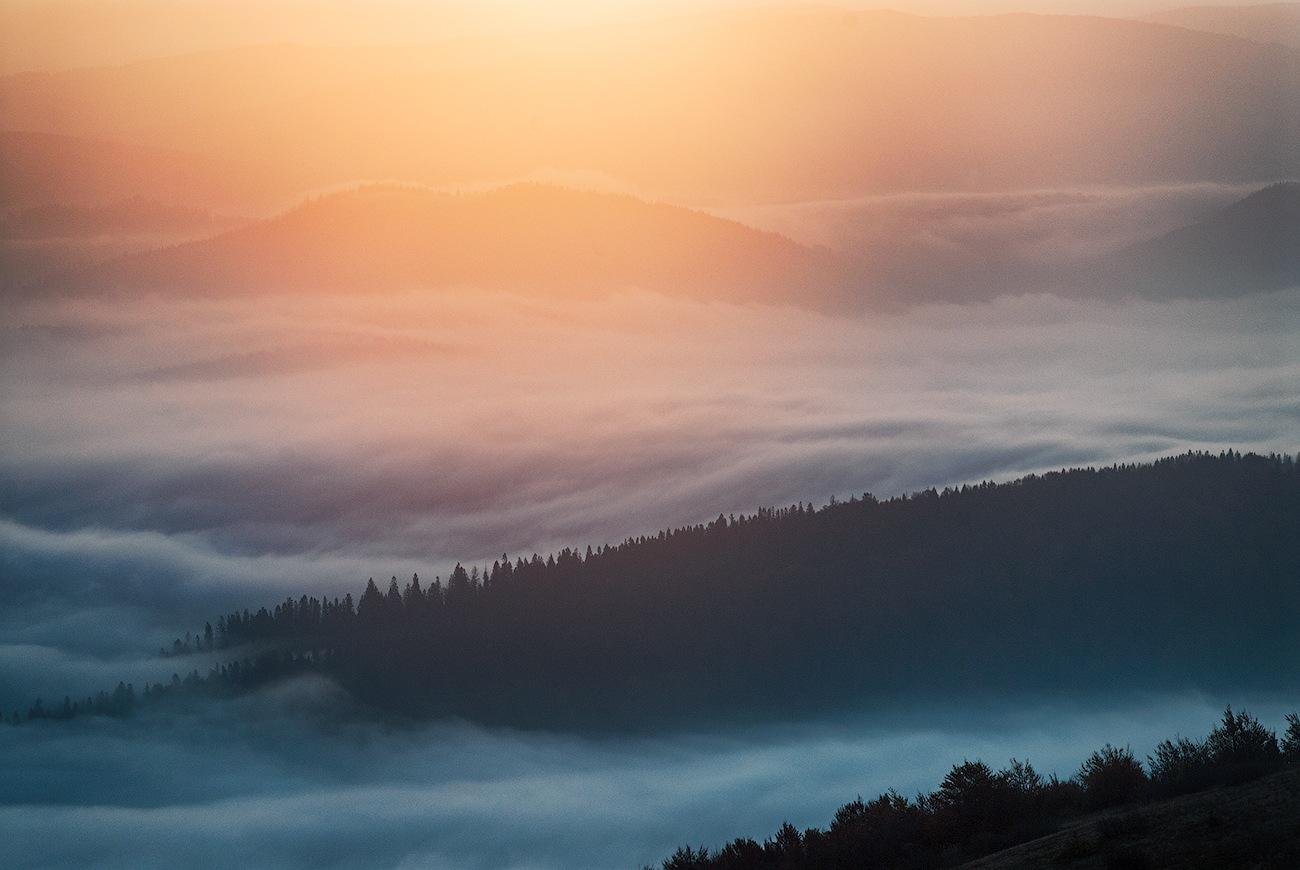 First light by Alexander Dyshlyvenko
