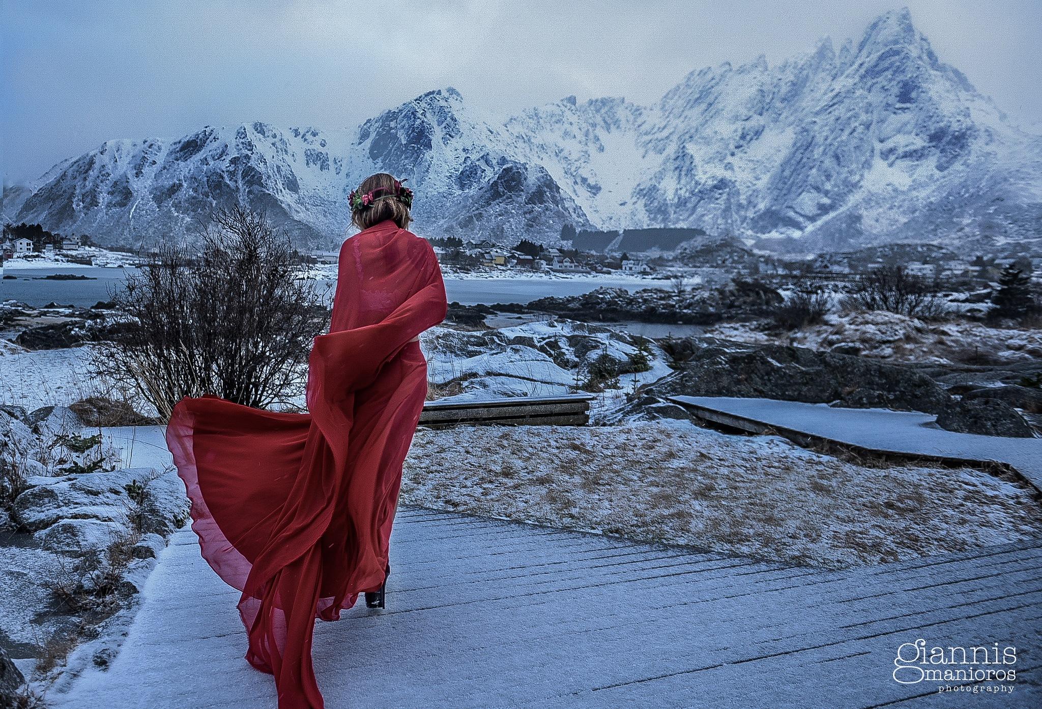 Dark red !! by Giannis Manioros