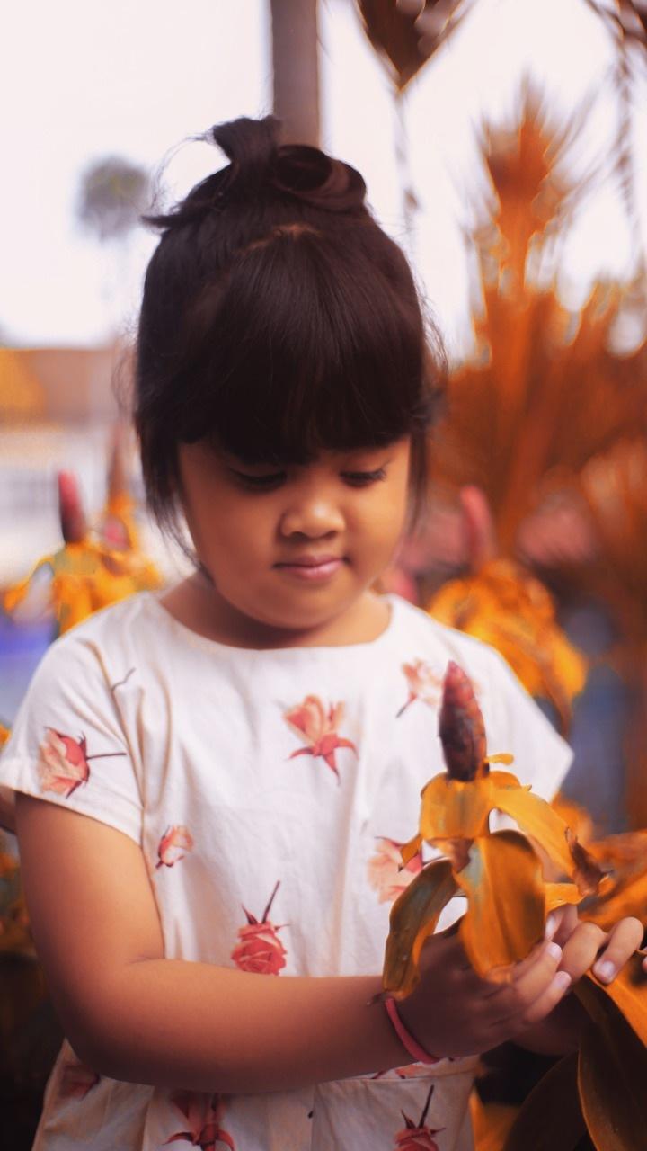 children flower by putra wahyu