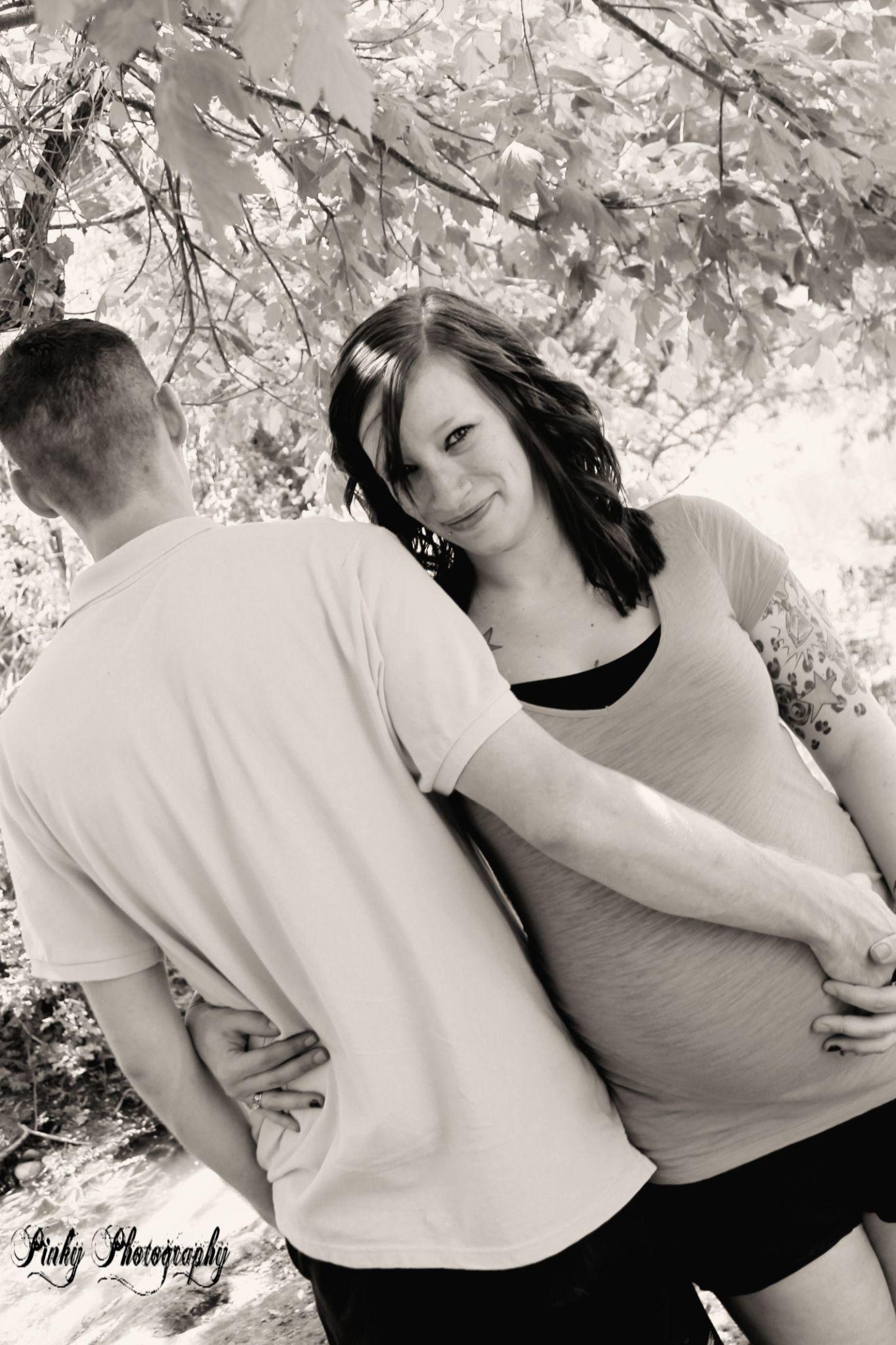 pregnancy photo by Payton Frederick