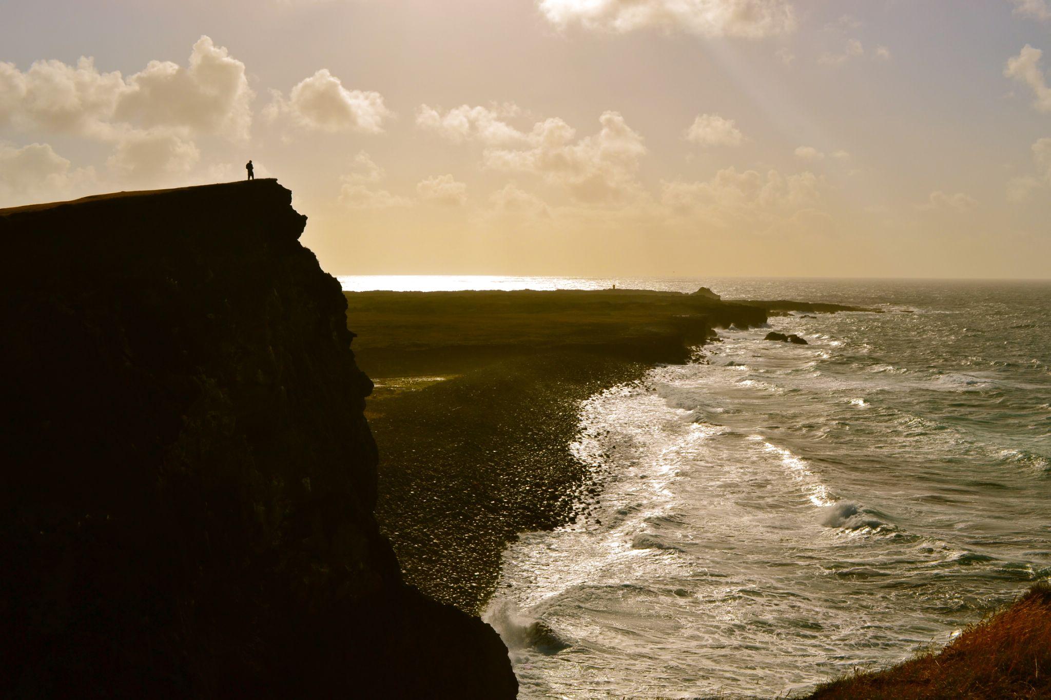 Purveying over the Atlantic by TyrellHeaton