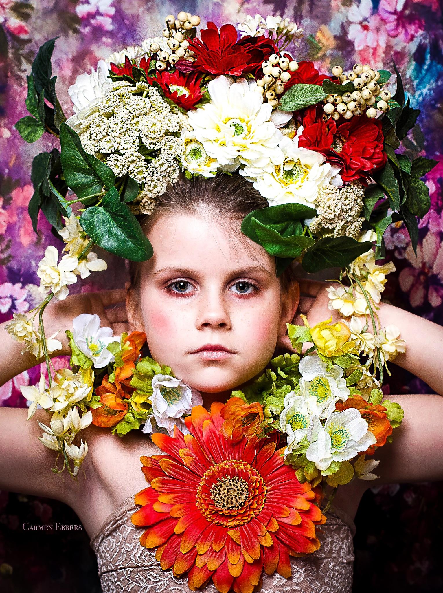 flowers girl by Carmen Ebbers