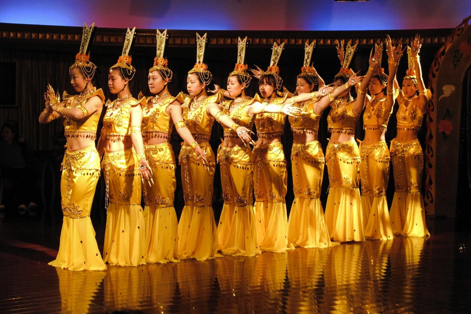 Photo in People #dancing #china #yangtse #cruising