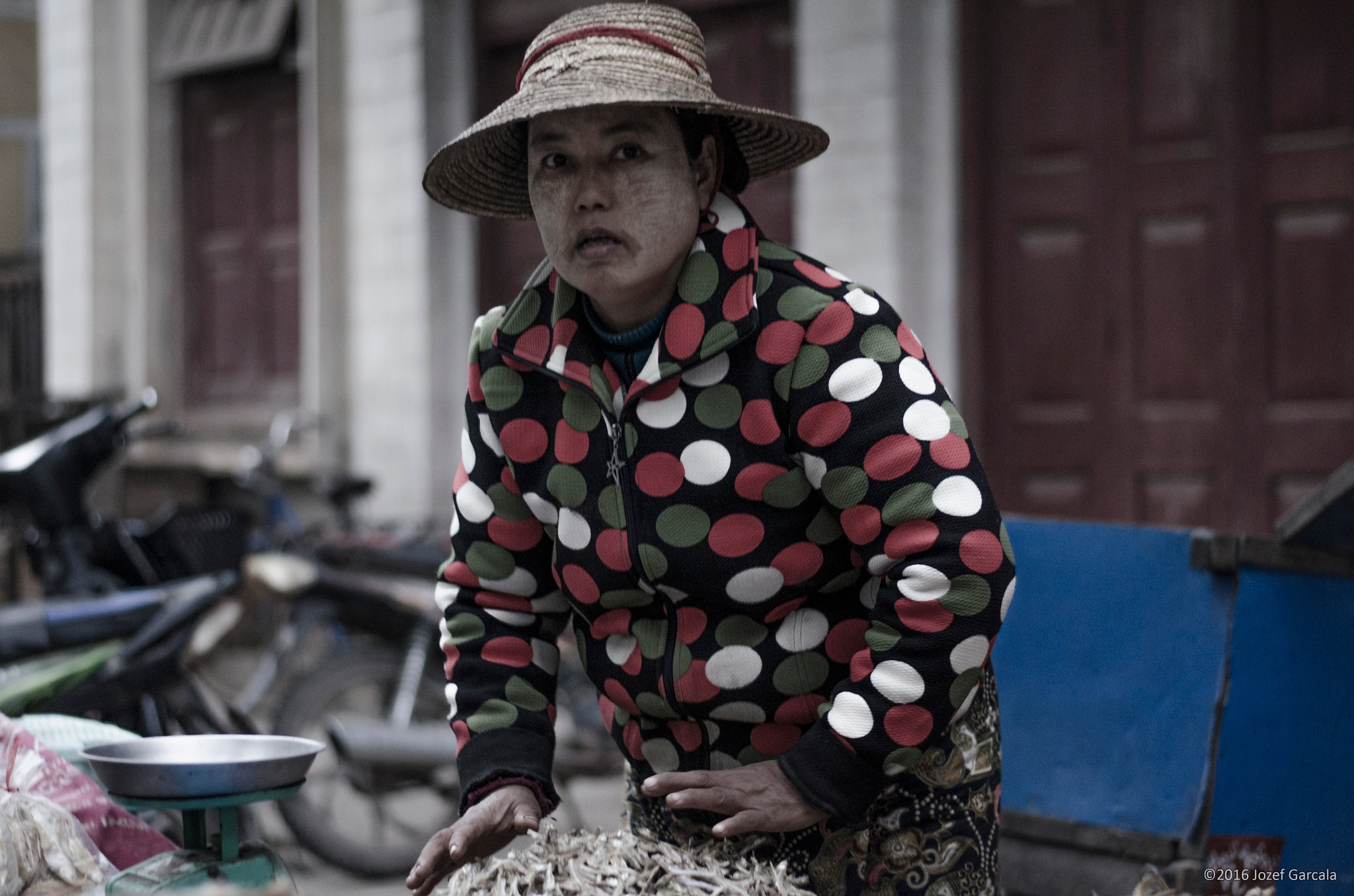 Hsipaw market  by jozef
