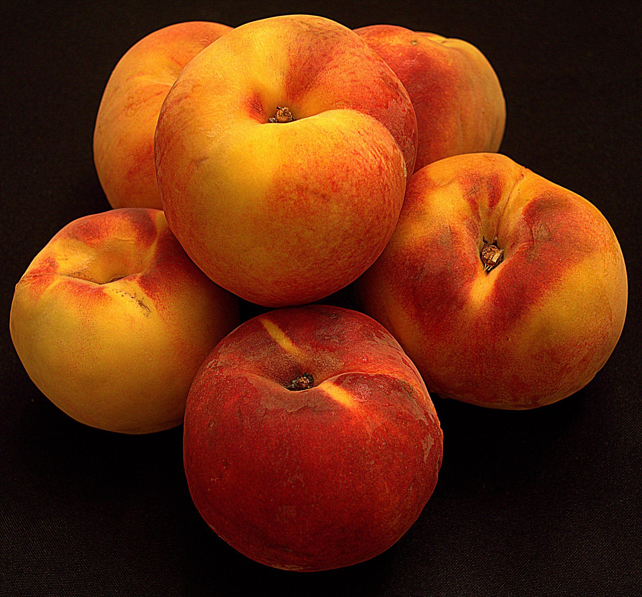 Image of peaches. by Andrew Piekut