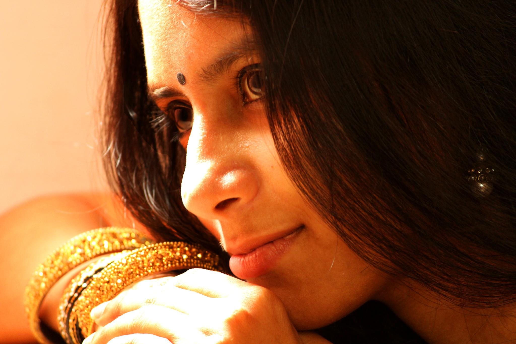 A close up portrait with natural lighting by Ramesha.Samarpana