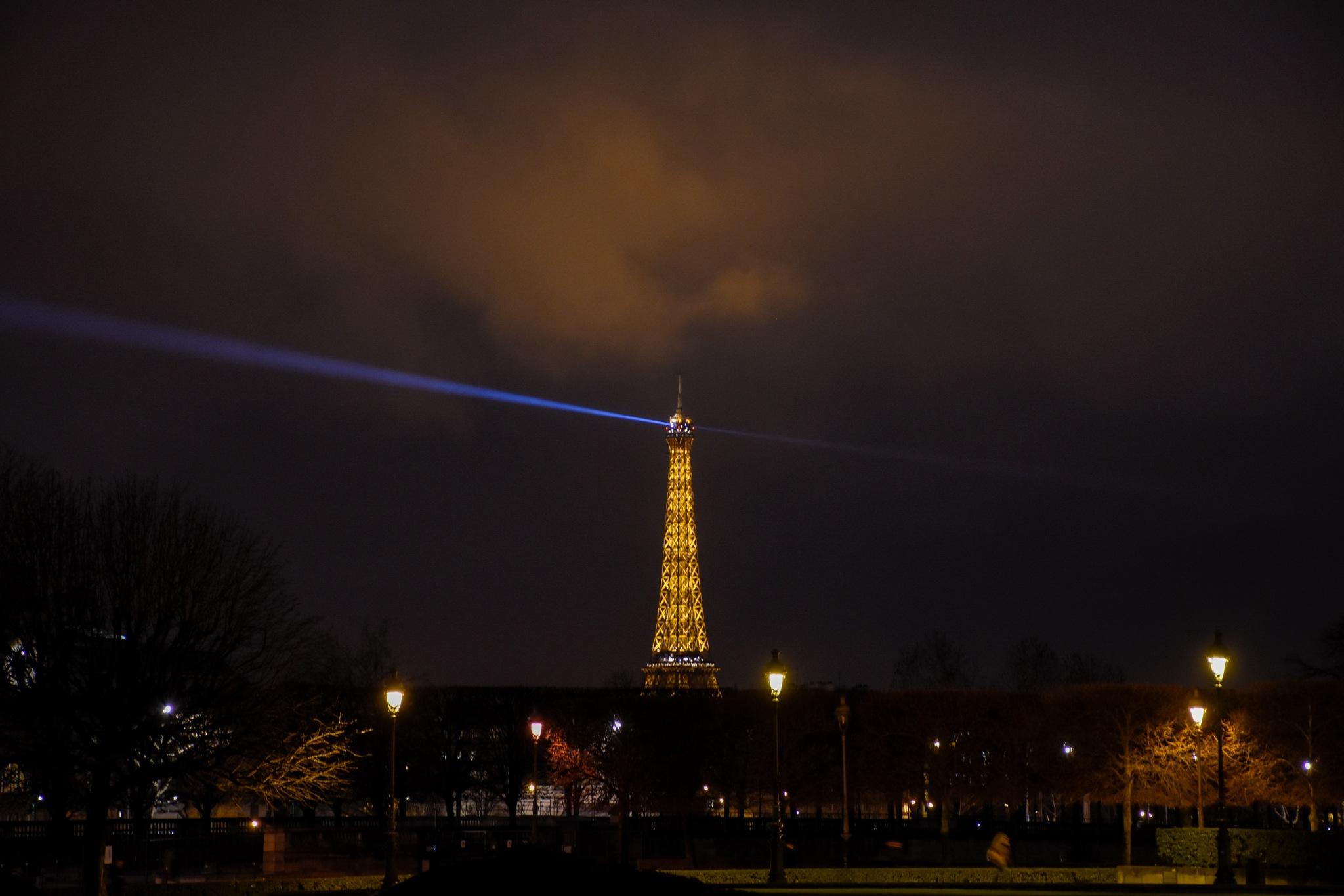 Paris de noche by PepoWest