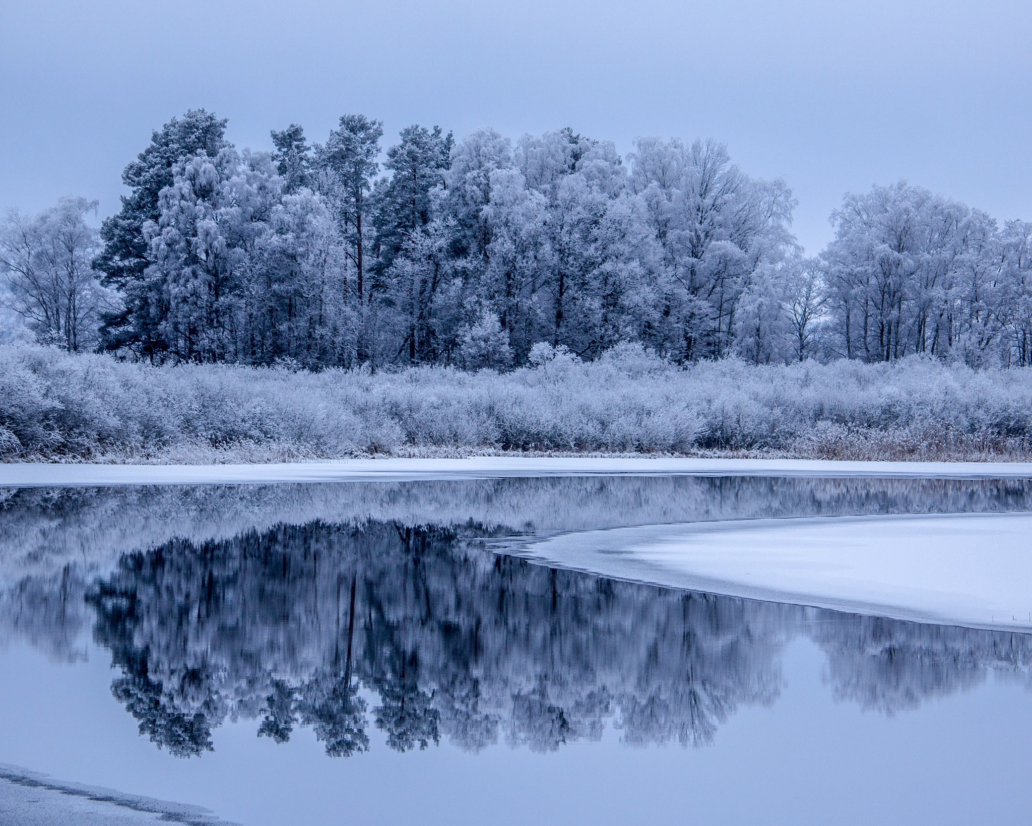 winter lake reflection by Andersson_photography86