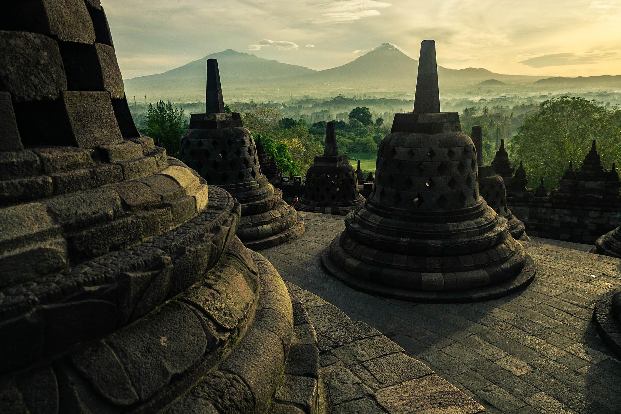 Sunrise at Borobudur Temple. Yogyakarta by Noa Le Gouellec