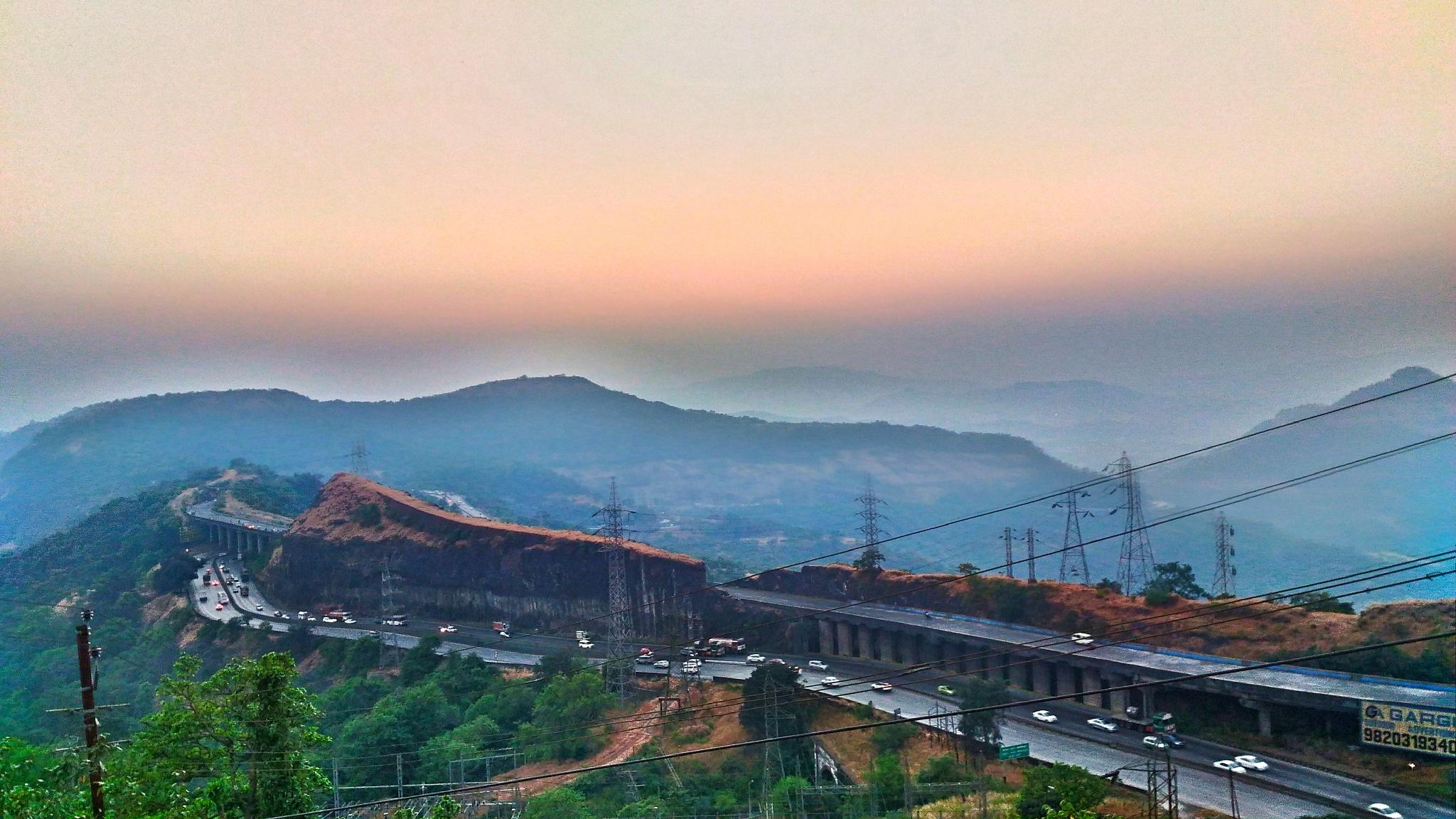 Mumbai Pune Expressway.. view from lonavla by Jay Bhusare