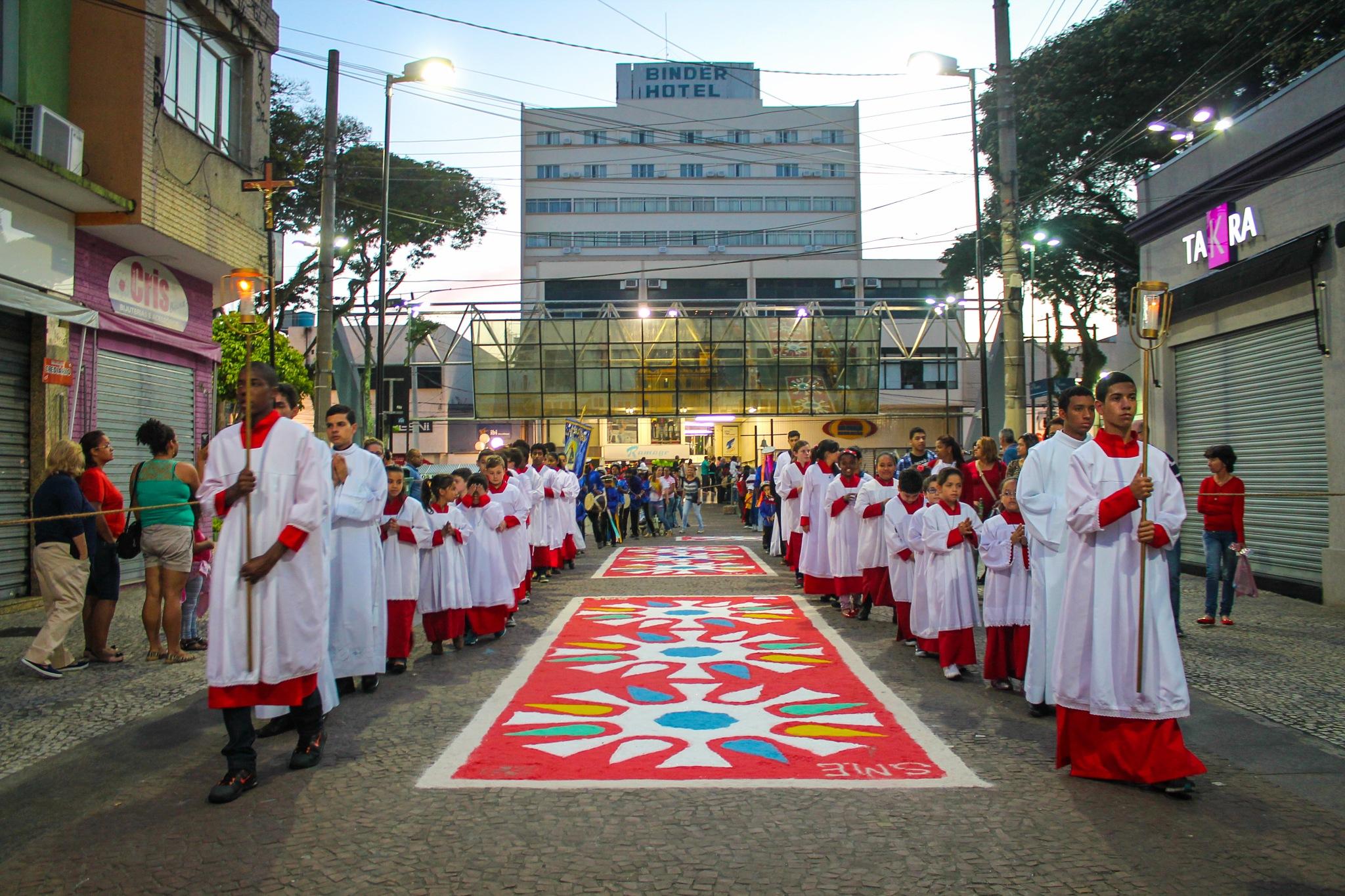 Festa do Divino by Robson Shimizu