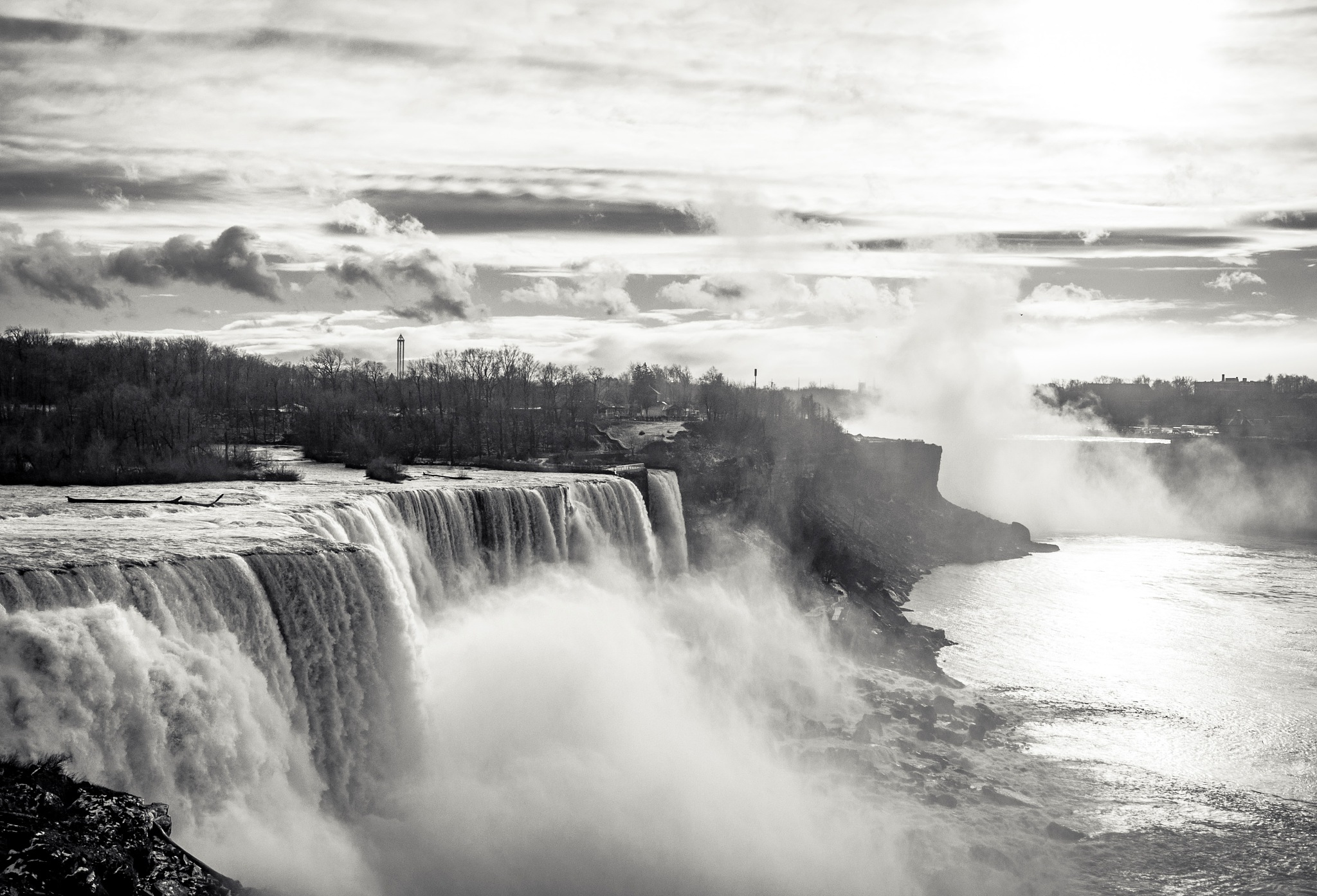 Niagara by Gustavo Martinez
