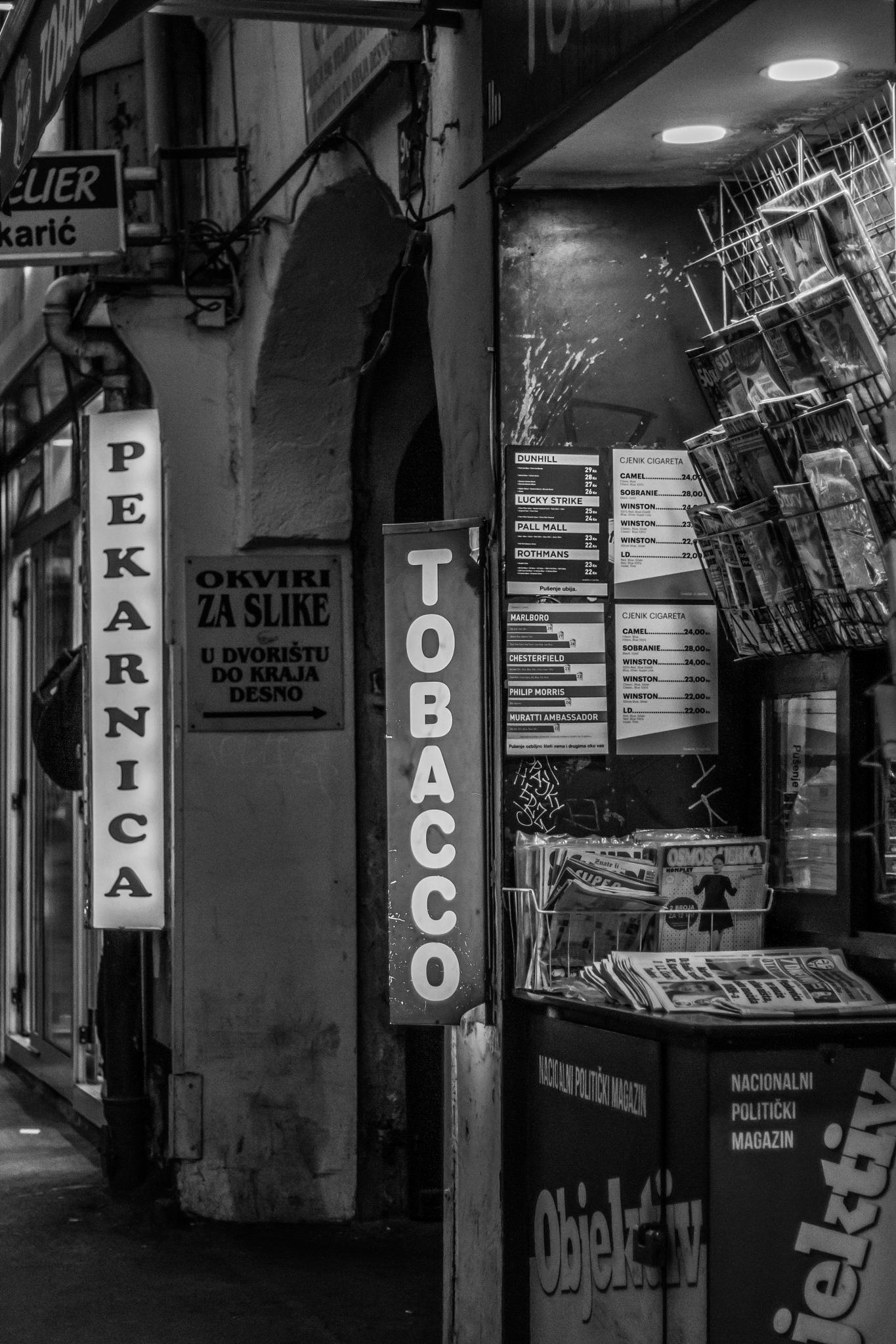 Monochrome Tobacco by vizlux