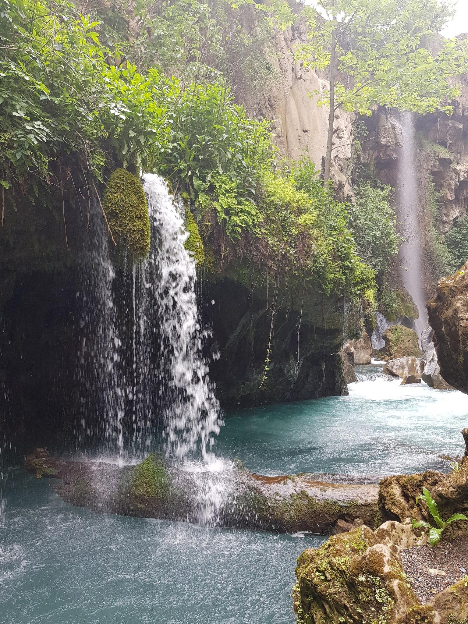 Waterfalls by HASAN MULLAOĞLU
