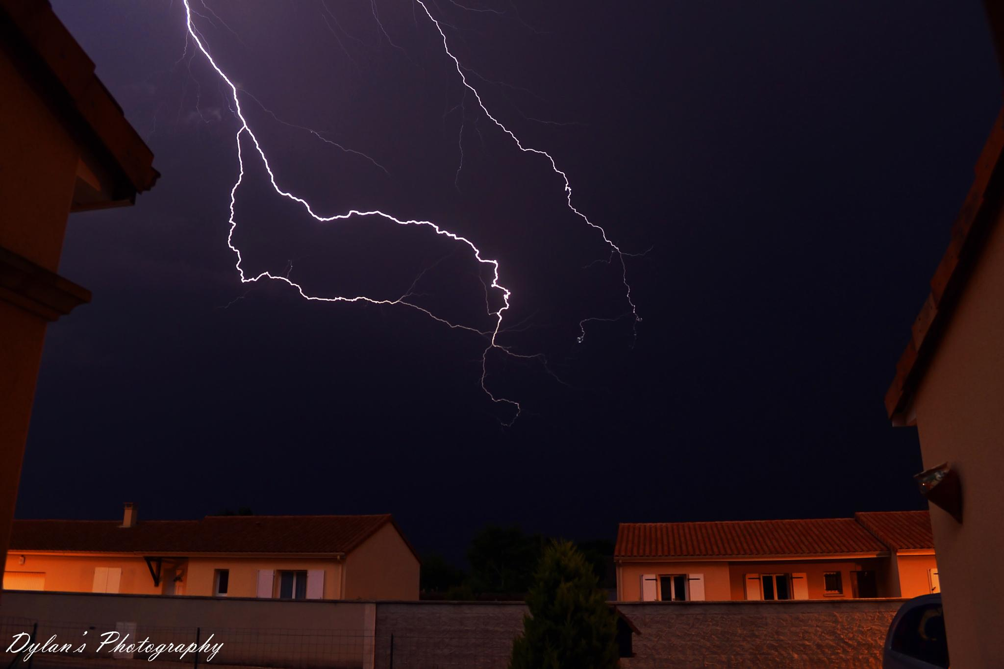 Orage by Dylan Marcotte