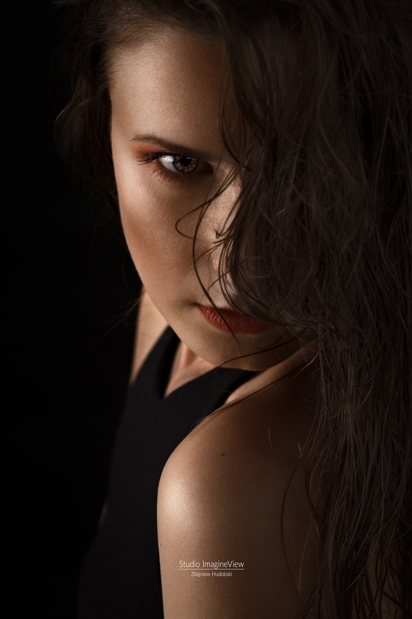 Photo in Portrait #portrait #women #shot #photo #photoshot #girl #love #hair #model #beauty #fashion #moda