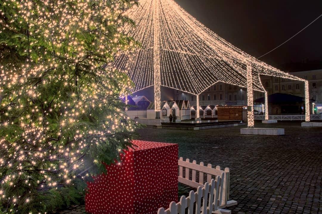 Christmas by Sadok Maamer