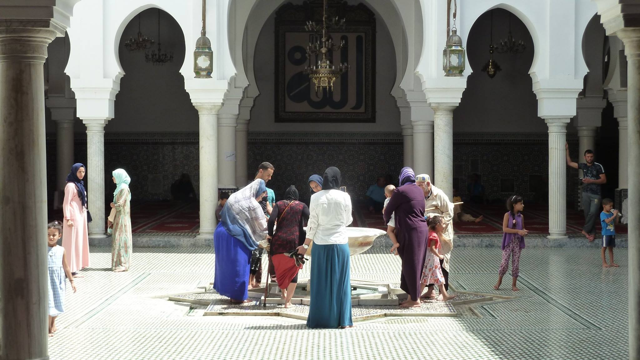 At the mosque by beatrice de filippis