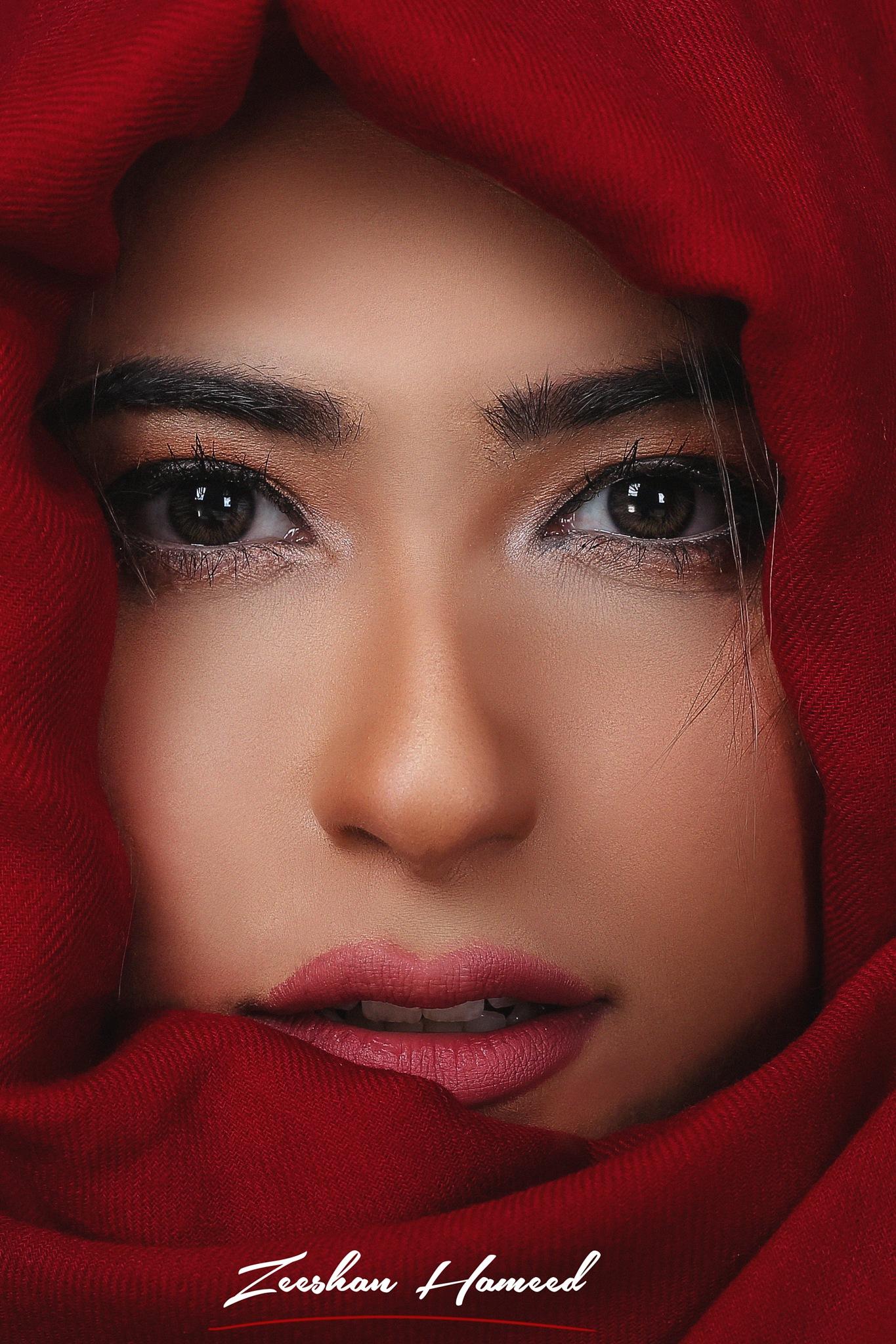 Beauty Head Shot  by Zeeshan