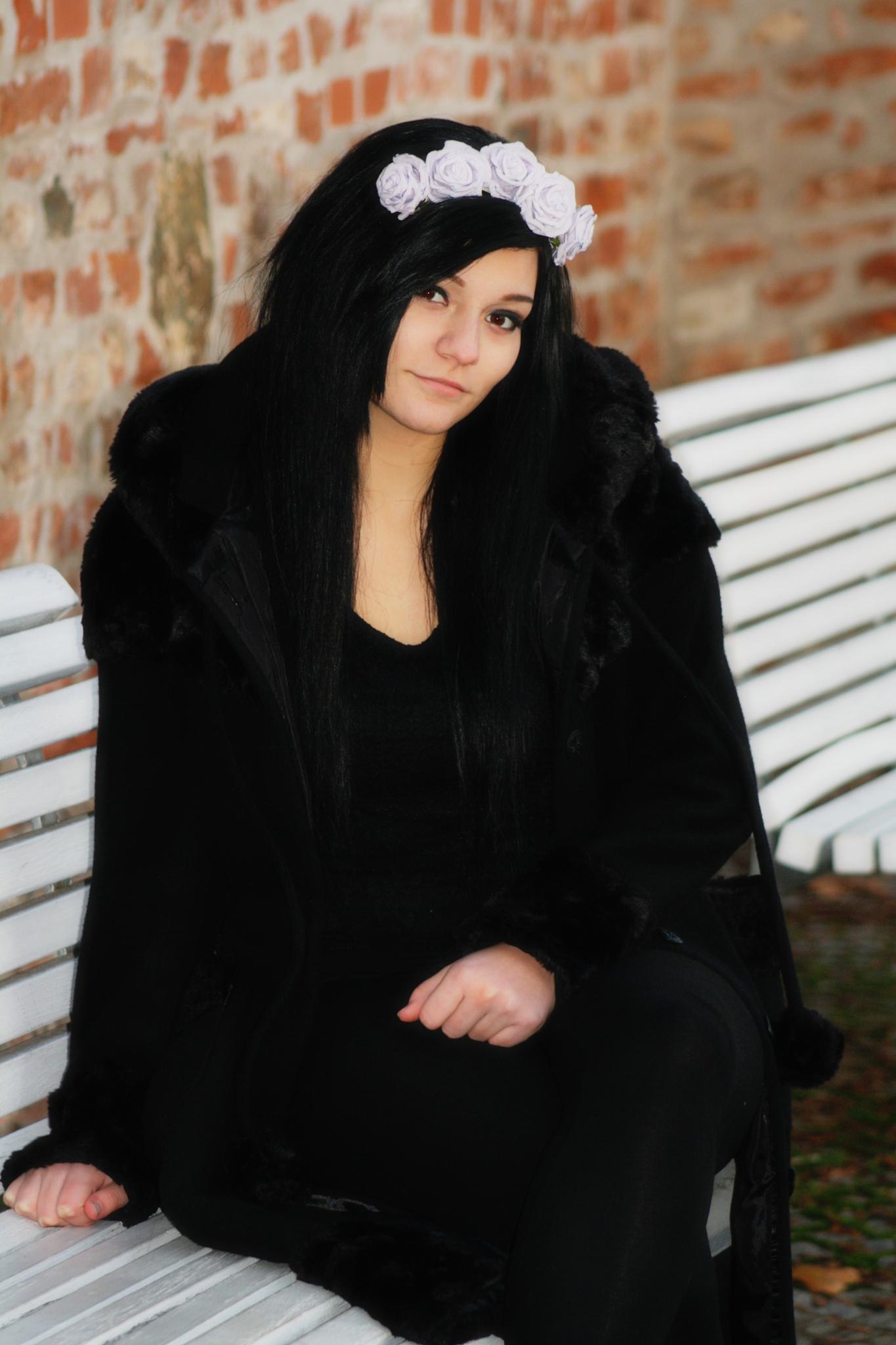 Raven girl by TenjiCZ