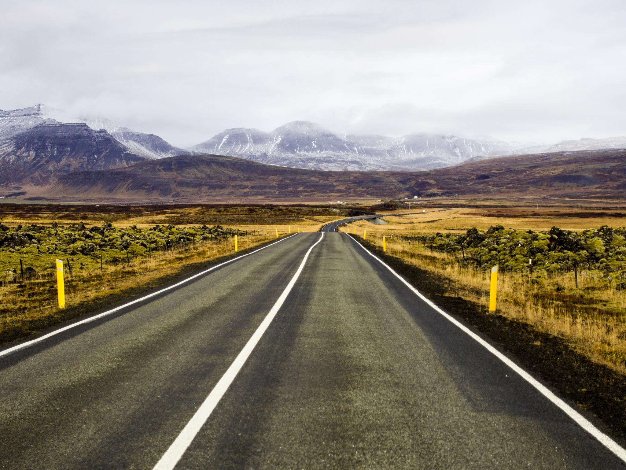 Road to the moutains by Edoardo Salladini