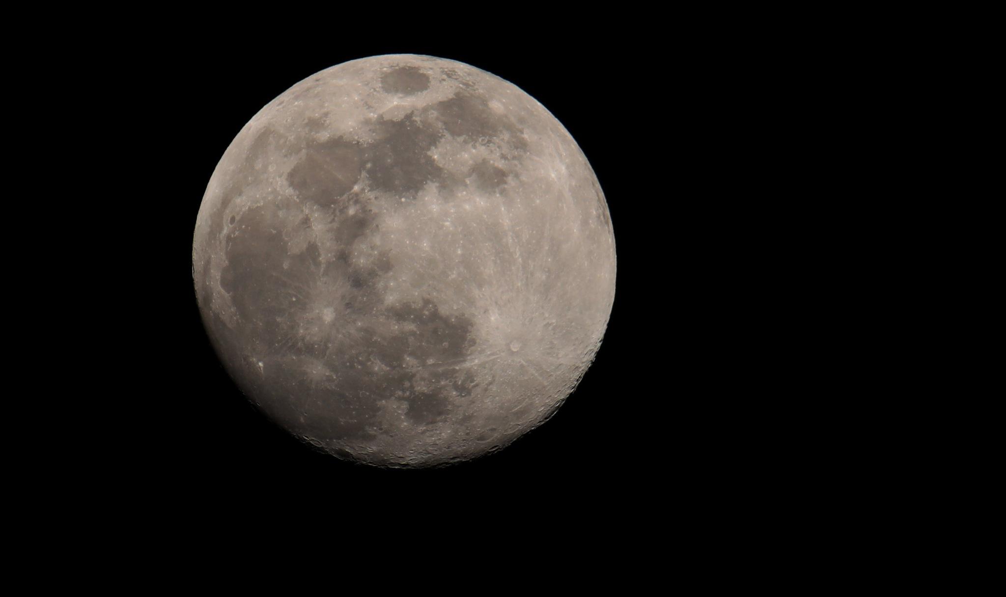 moon - italy by Fabio Deppieri