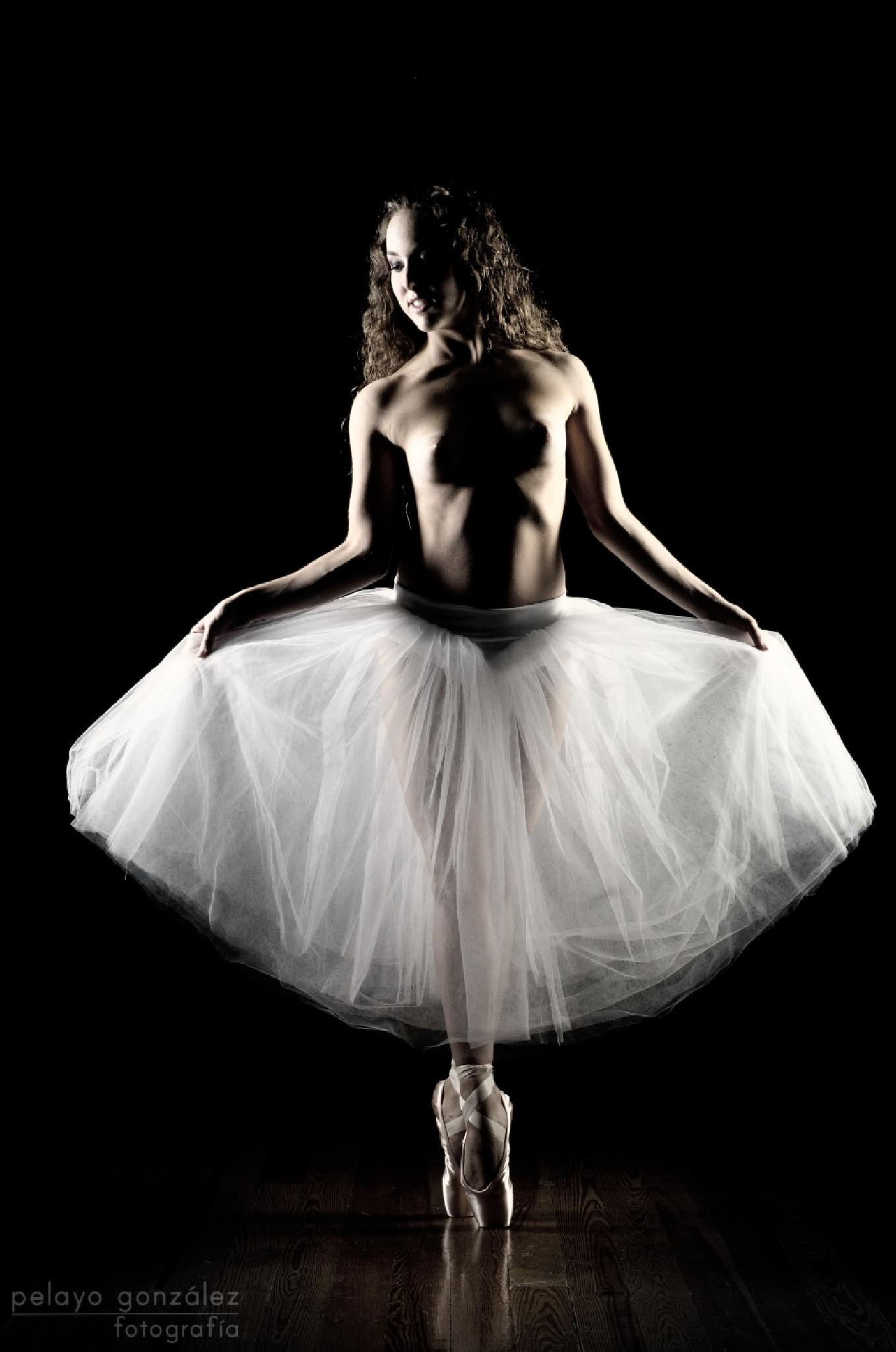 Photo in Fine Art #mujer #woman #female #portrait #retrato #ballerina #bailarina #dancer #ballet #nude #low #key