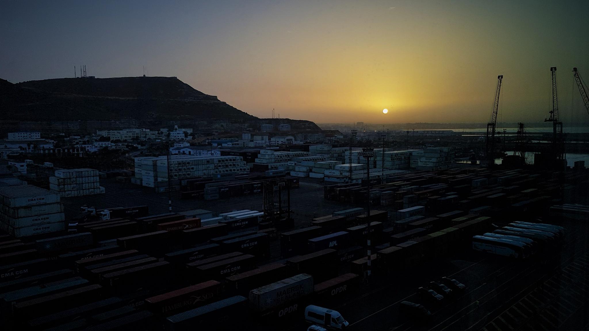 Sonnenaufgang in Agadir by percy ottinger