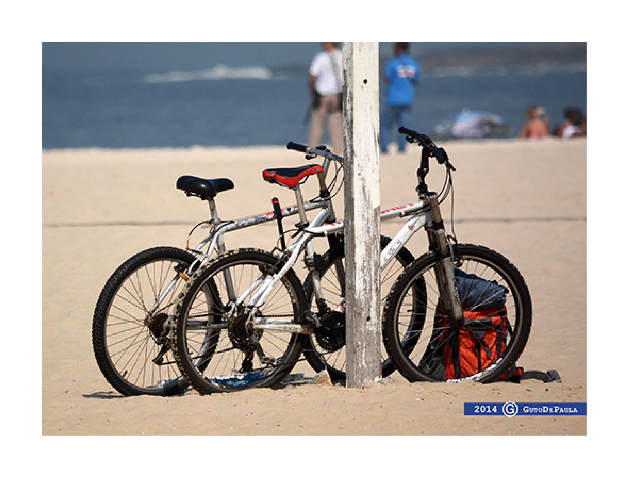 Bikes & Beachs by Luis De Paula