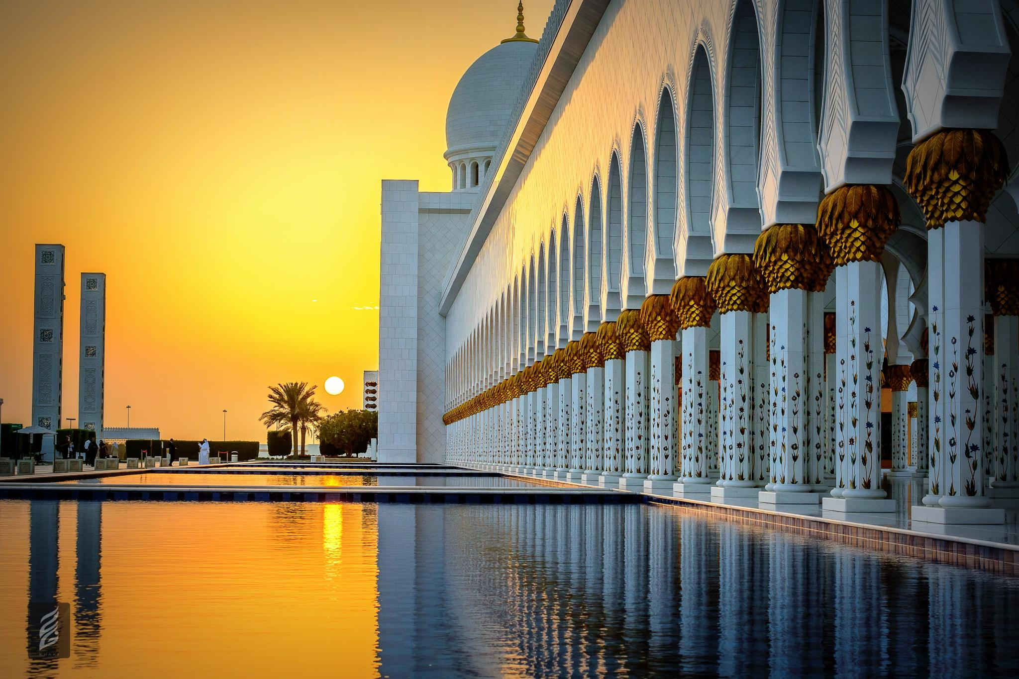 Sunset at mosque by KHAKI