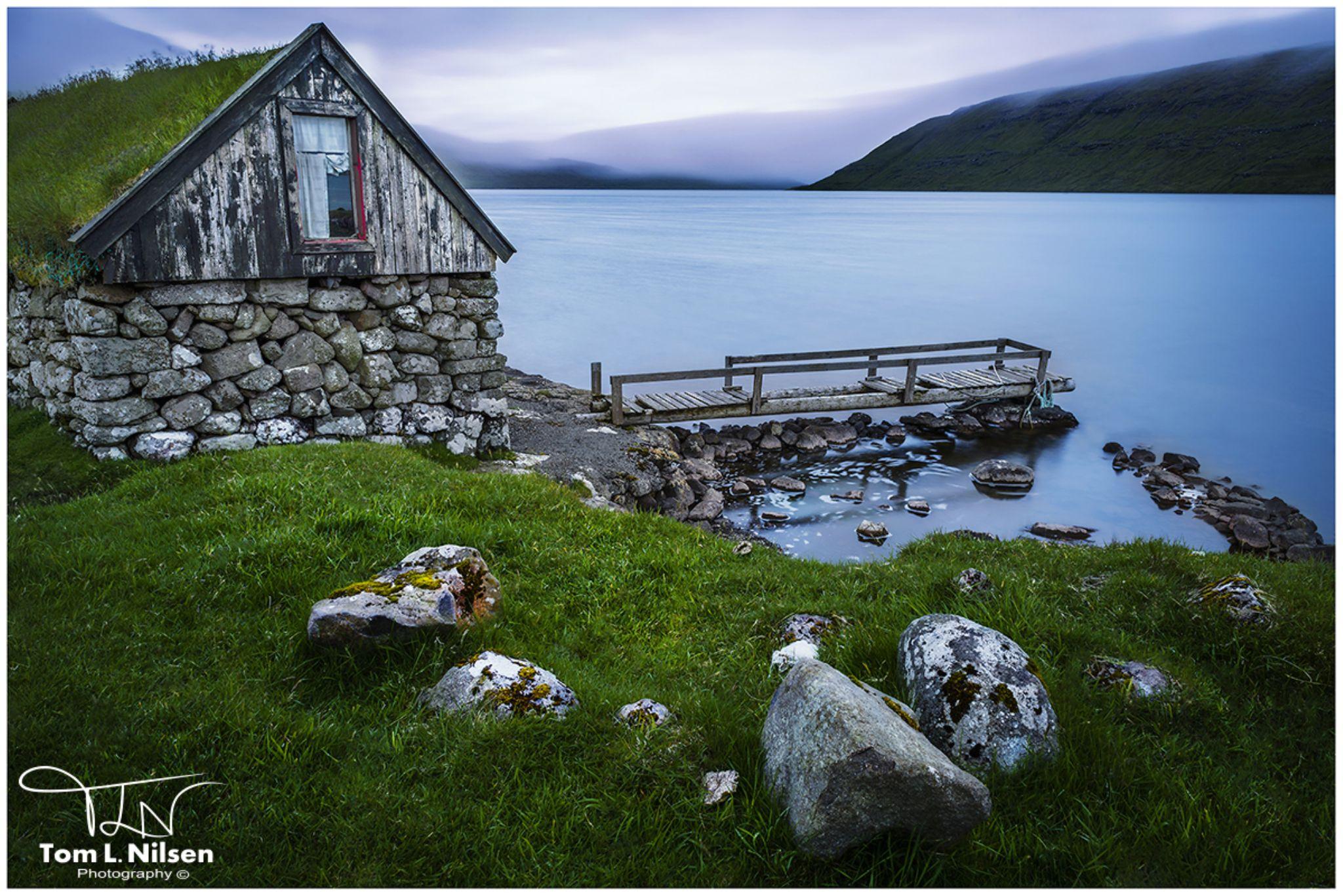 Sørvagsvatn (Leitisvatn) in Vagar. by Tom L. Nilsen