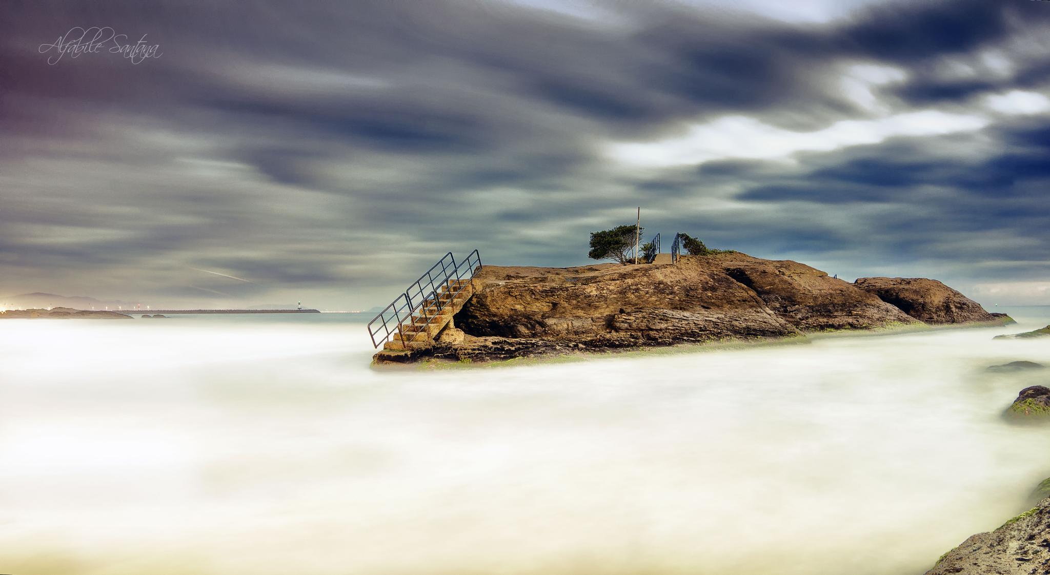 Long Exposure (112 sec) - Cabeçudas Beach  by Alfabile
