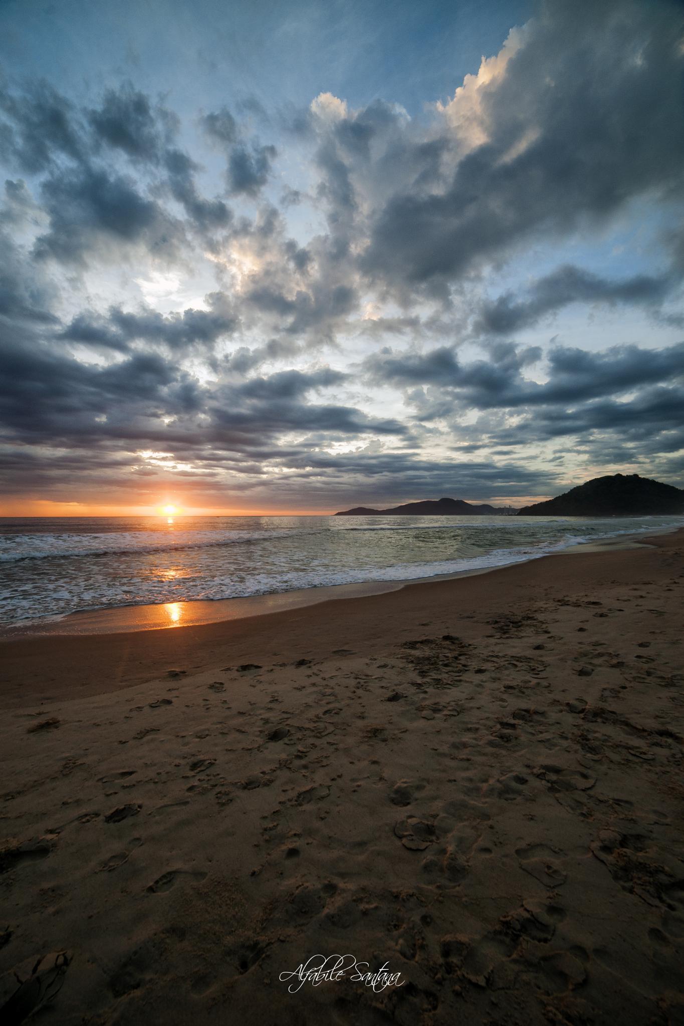Sunrise - Praia Brava - Itajaí SC  by Alfabile