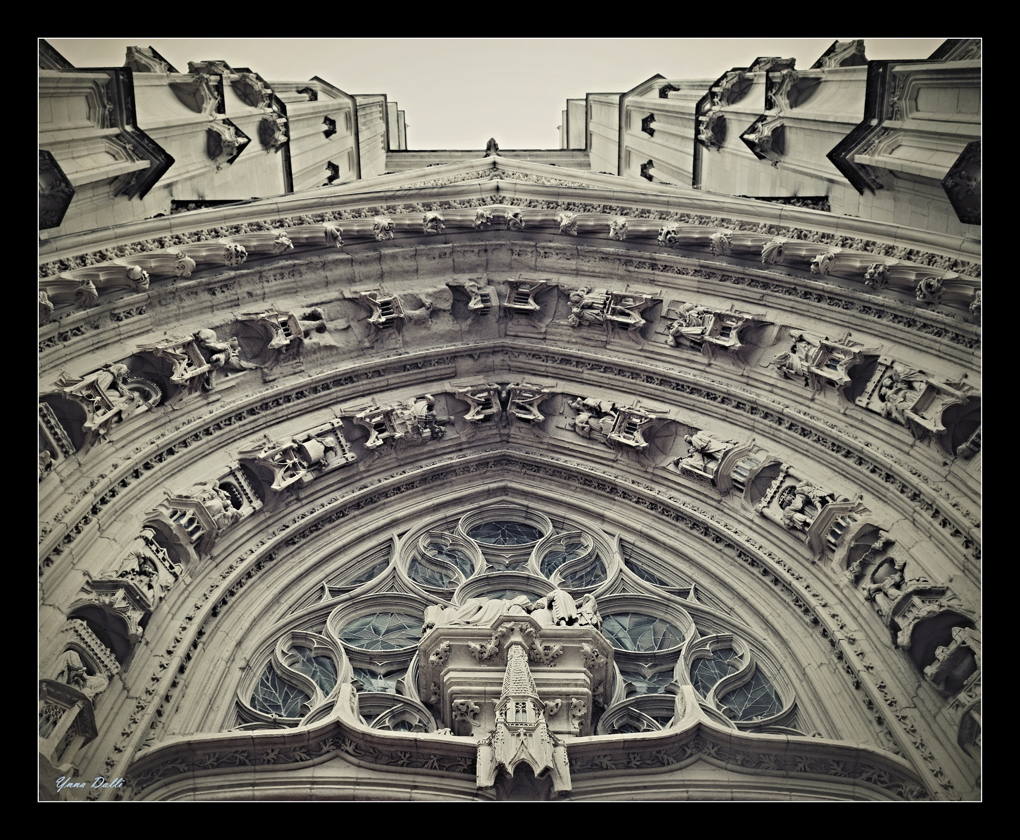 Cathédrale Saint Pierre et Saint Paul de Nantes by YnnaDalli